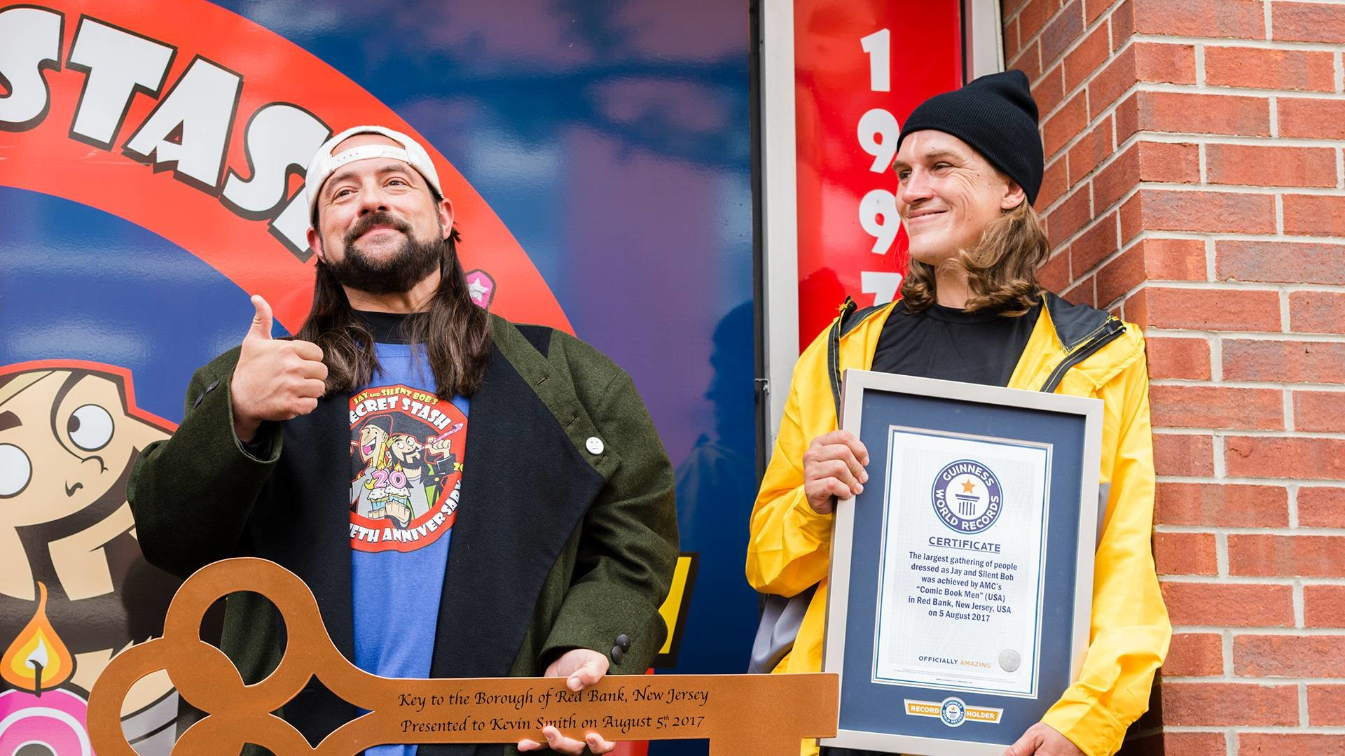 1920x1080 Jay & Silent Bob cosplayers take over the streets of Red Bank as the Comic  Book Men attempt to make history by setting a Guinness World Record.