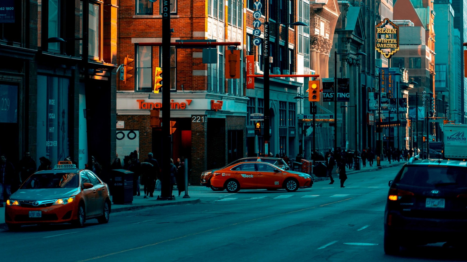 1920x1080  Wallpaper street, city, buildings, twilight, movement, road
