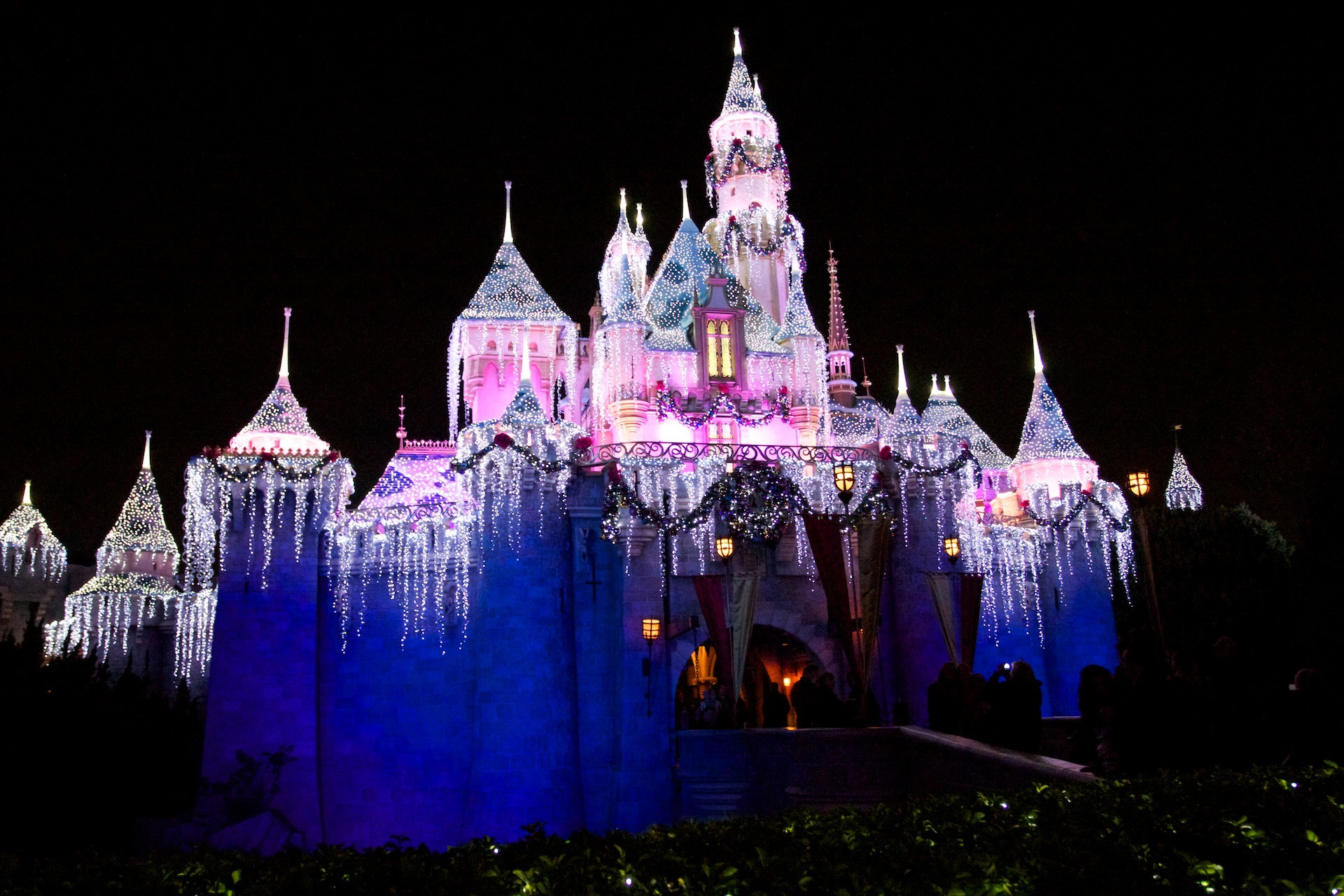 1920x1280 Disney Castle Christmas Wallpaper Images & Pictures - Becuo