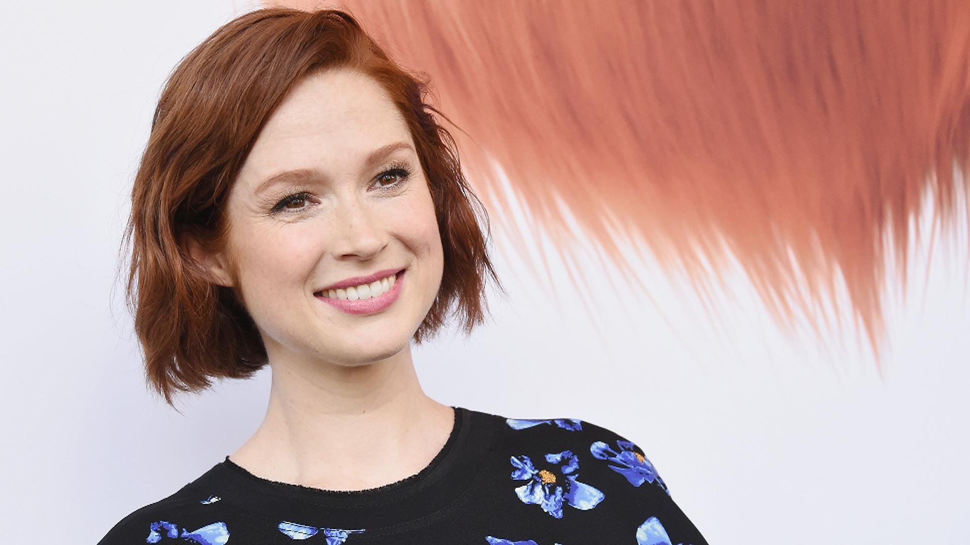 1920x1080 Ellie Kemper will live with adult acne (if she can still eat ice cream)