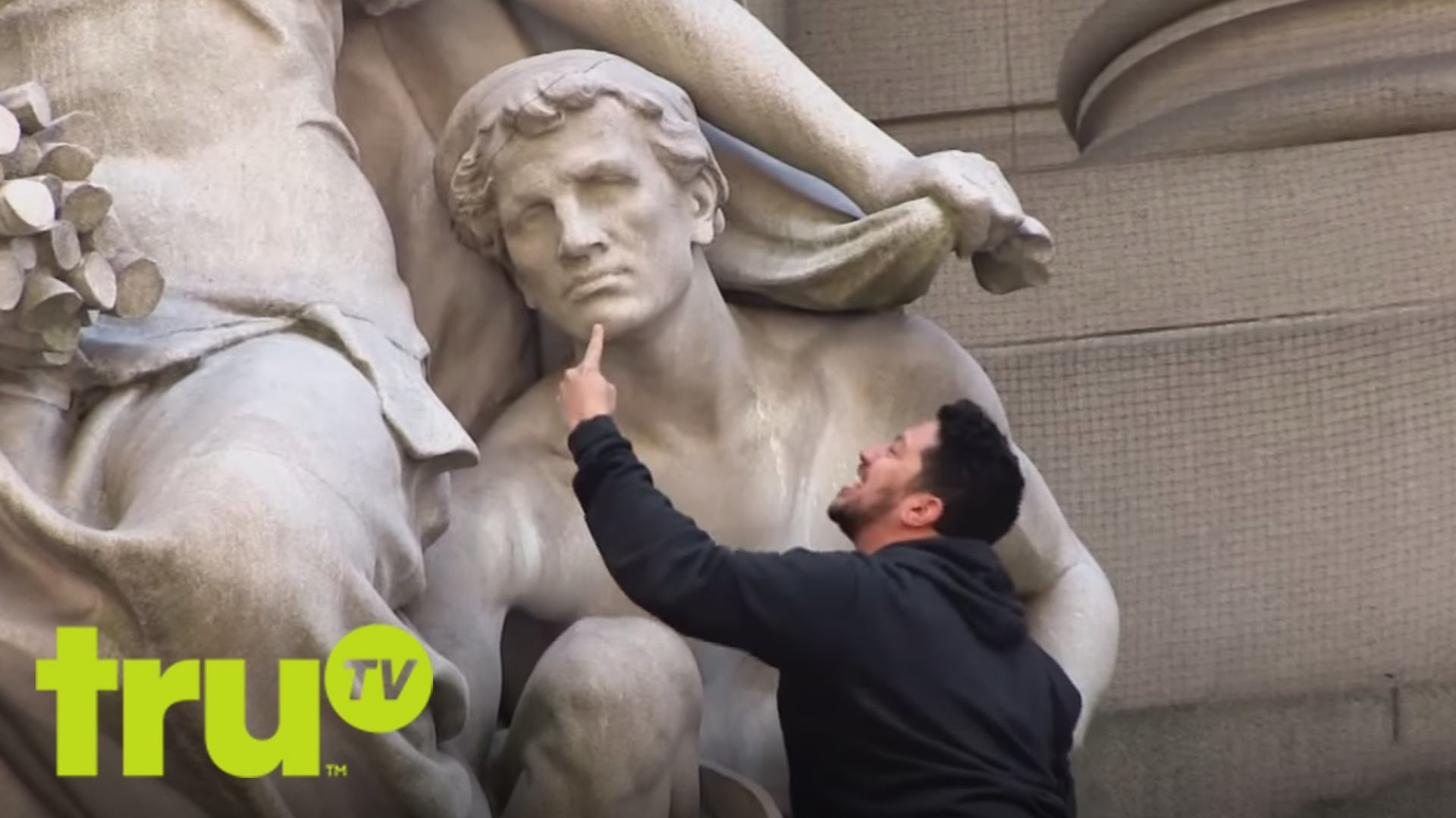 1920x1080 Impractical Jokers - Historical Nose Thief Does It Better