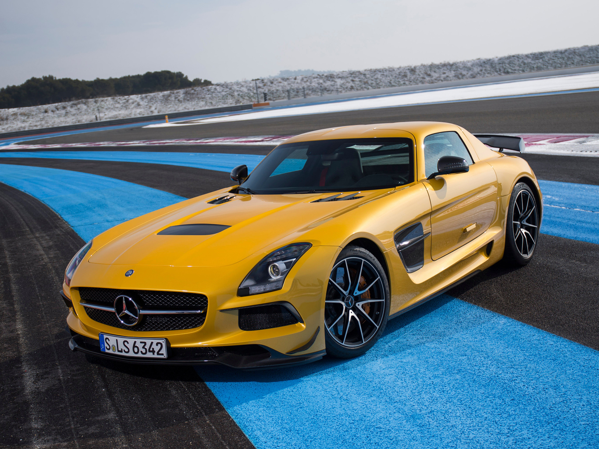 2048x1536 ... 2014 Mercedes Benz SLS AMG Black Series 16 Mercedes Benz Wallpaper   170320 WallpaperUP ...