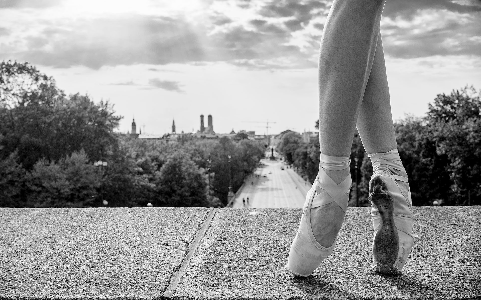 1920x1200 Black And White Ballet Wallpaper Mobile