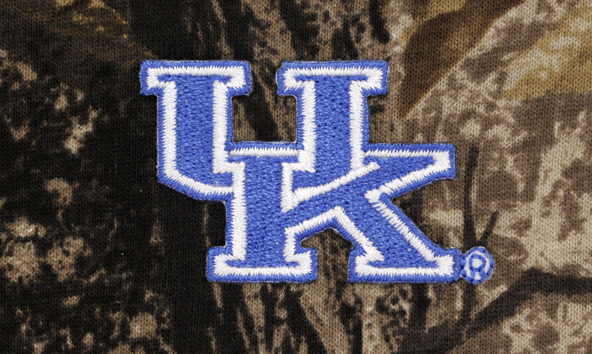 2048x1226 University-of-kentucky-wildcats-cam-real-tree-overall-