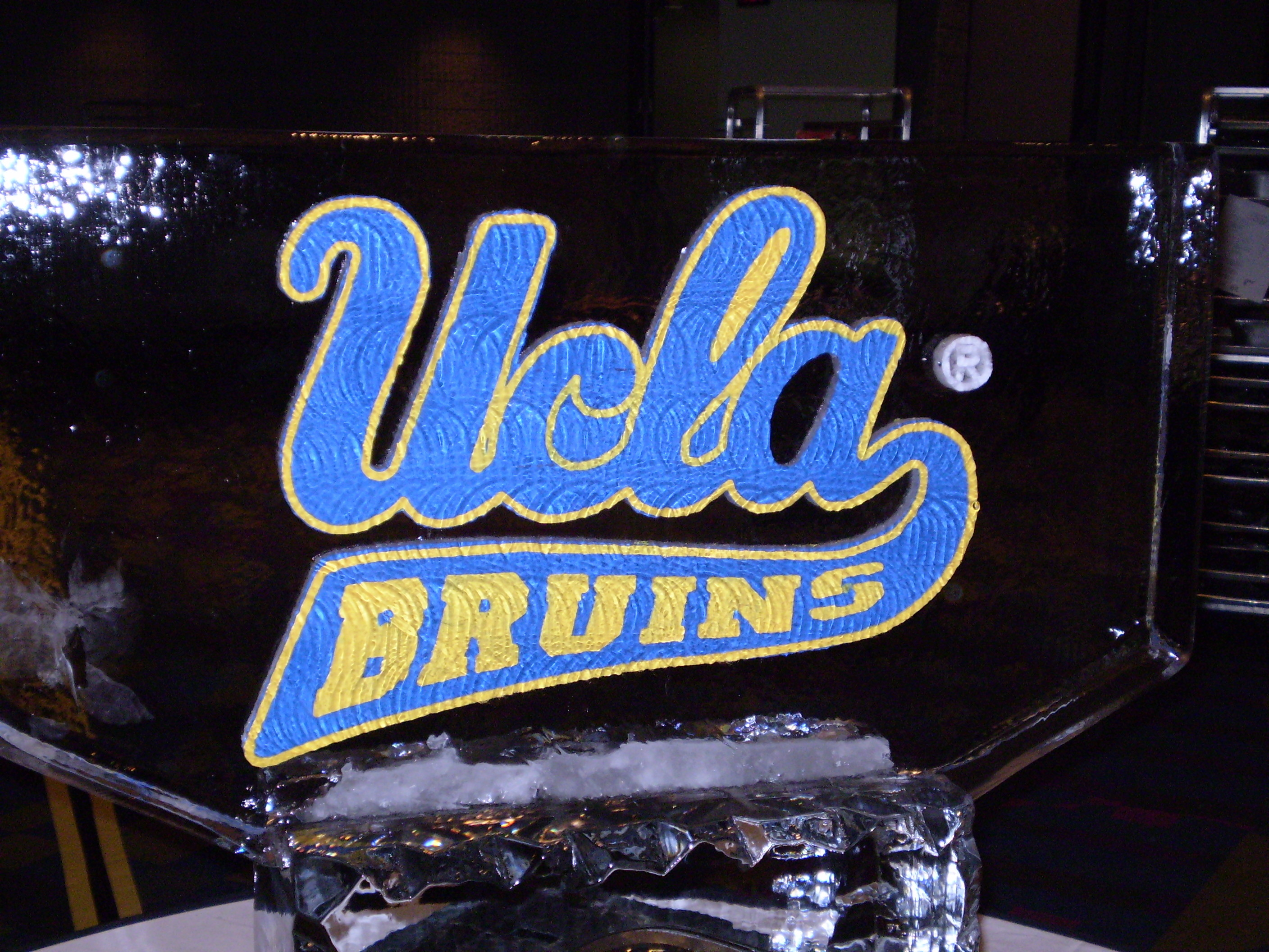 2816x2112 Colored UCLA Bruins Logo Ice Sculpture