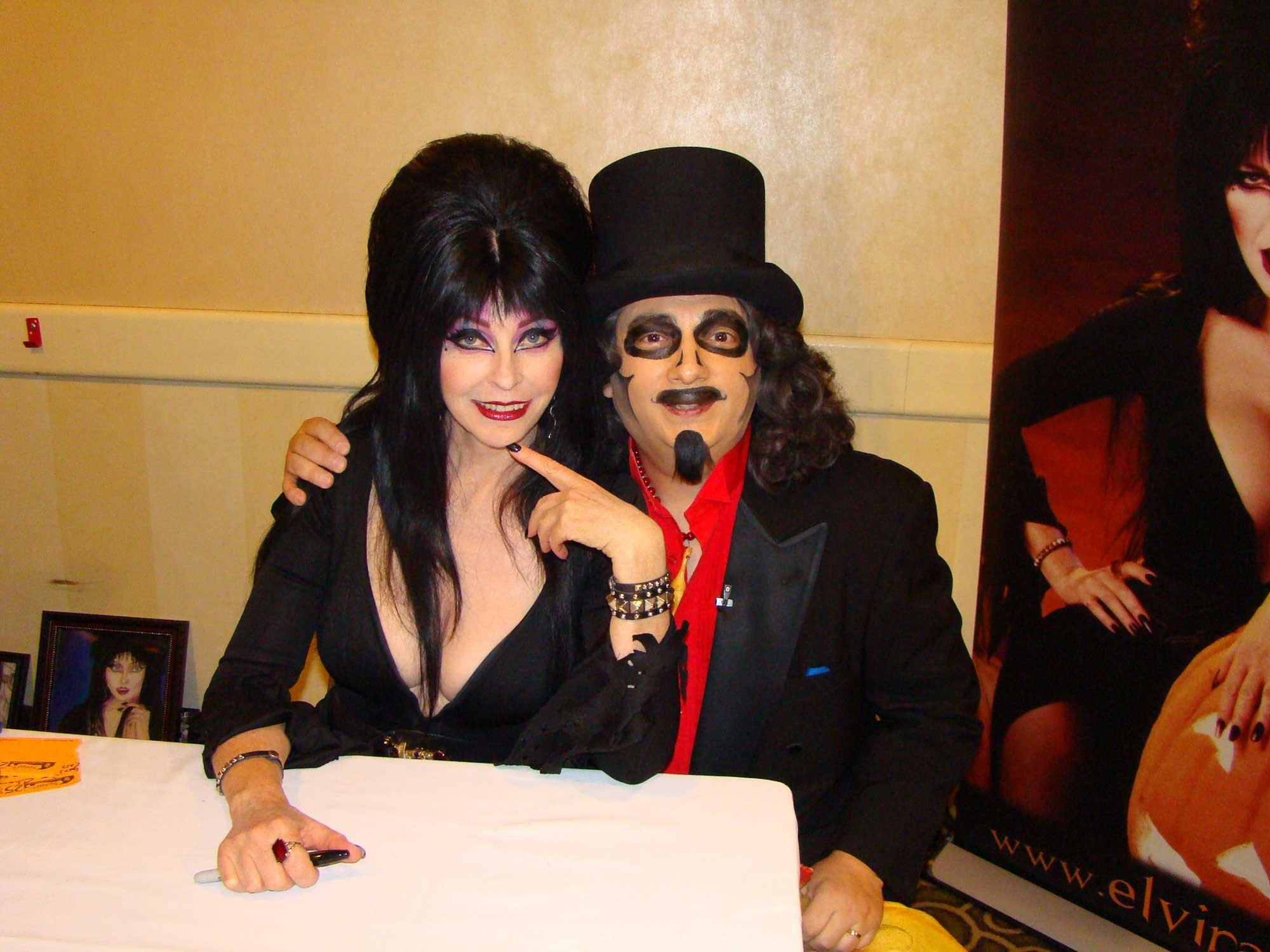 2000x1500 Television Horror Host Icons: Elvira, Mistress of the Dark and Svengoolie