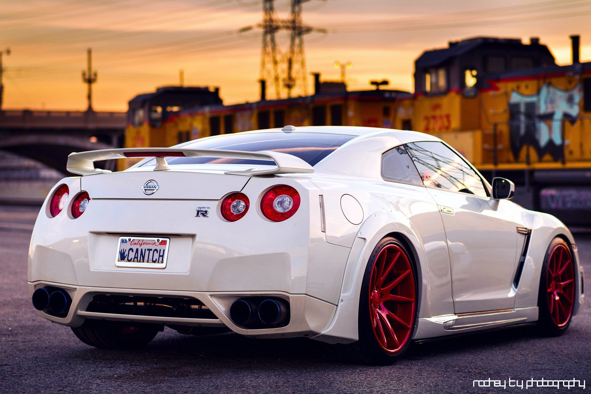 1920x1280 Wallpapers nissan, gt-r, white, back, red, wheels,