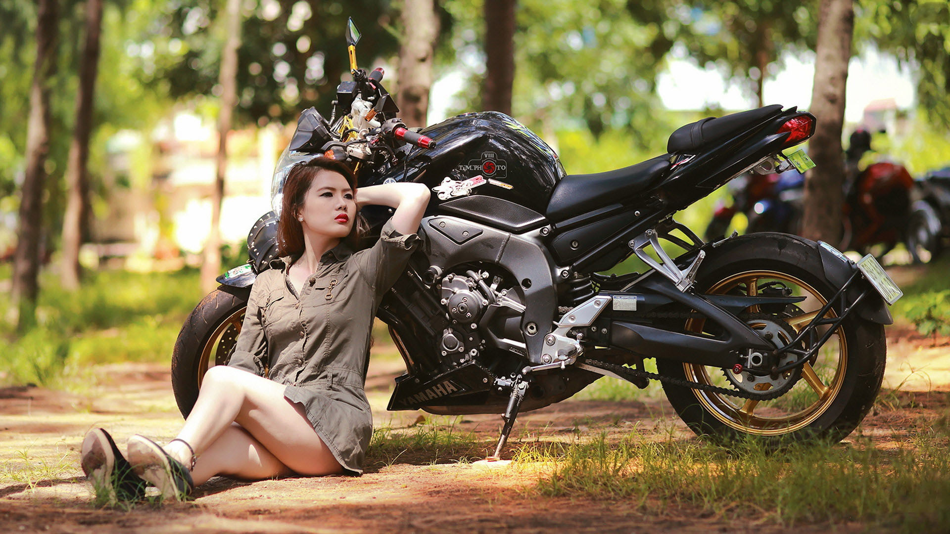 motorcycle chicks getting fucked pictures