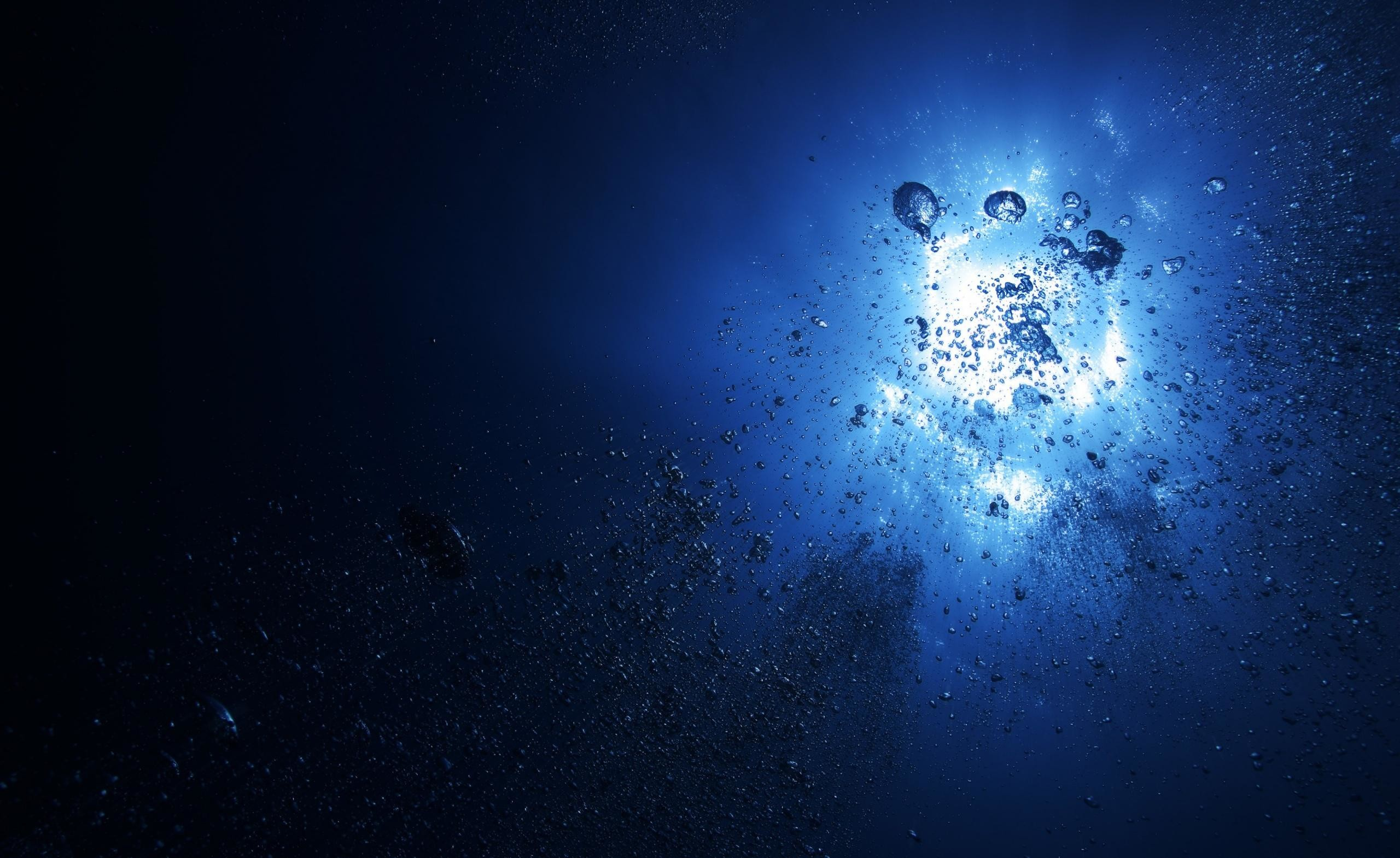 3840x2160 Abstract Animation Of Water Bubble Stream Fluid Particle Flowing Or Shooting From Left To Right