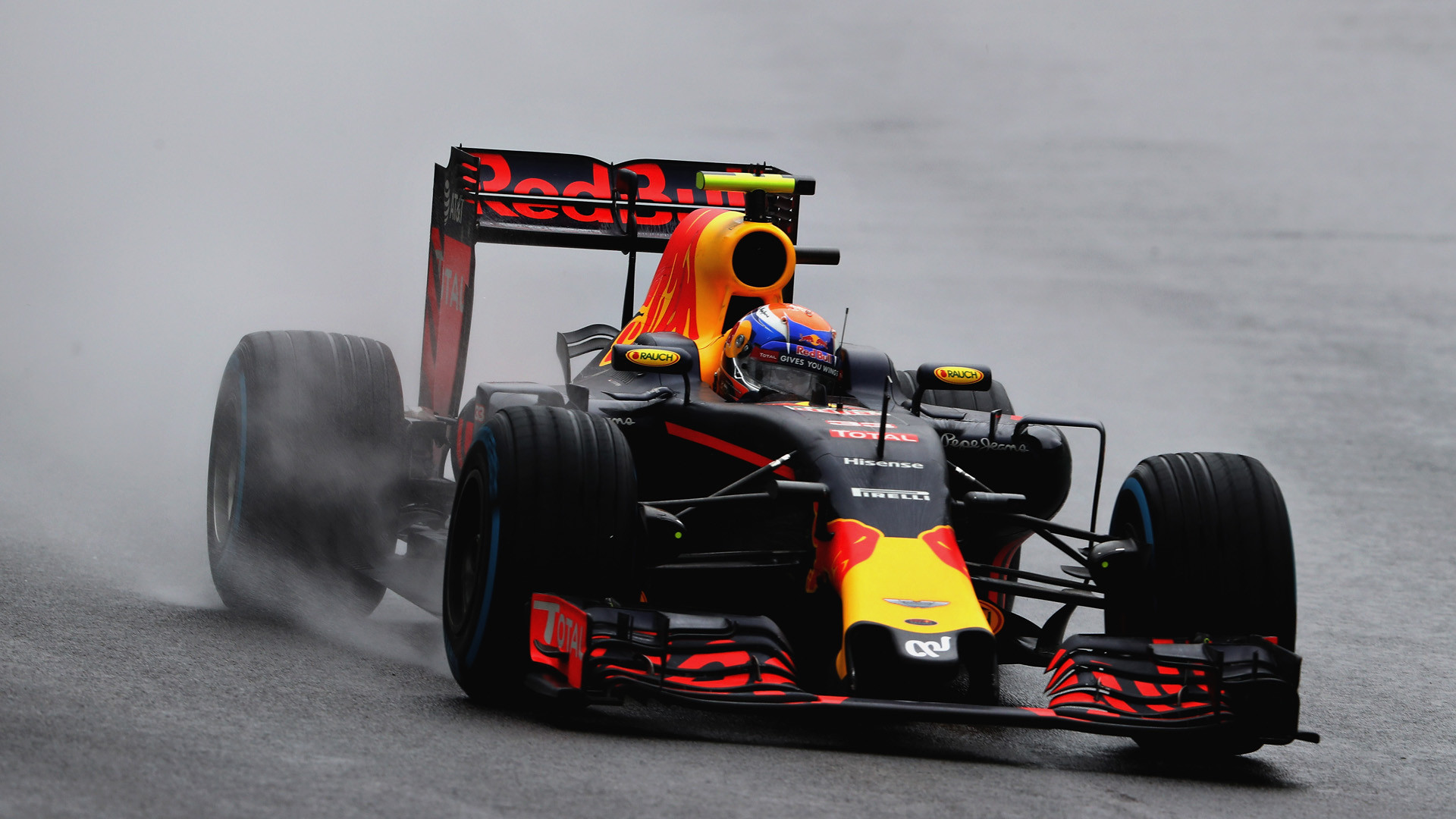 1920x1080 Max Verstappen on how he wants to take on Lewis Hamilton in 2018
