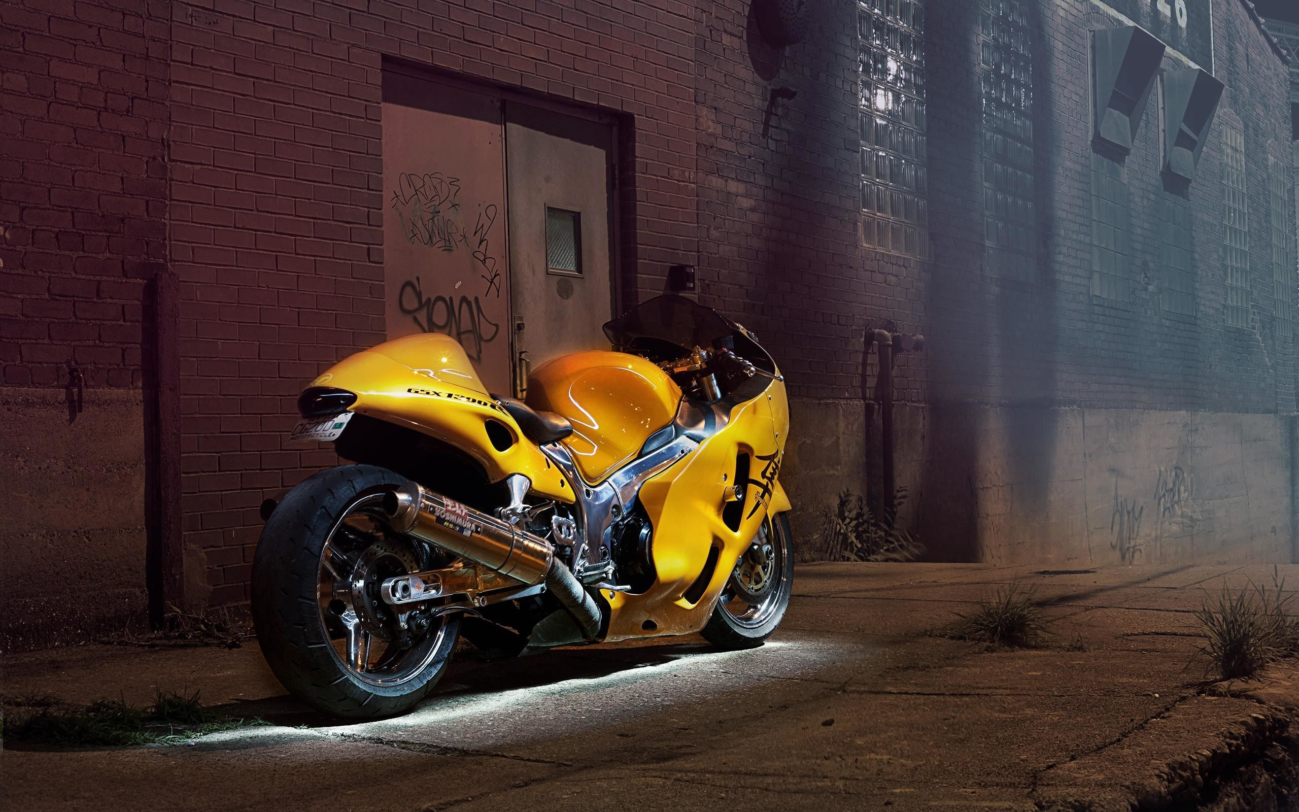 Suzuki Hayabusa Sports Bike Wallpaper HD Free Download