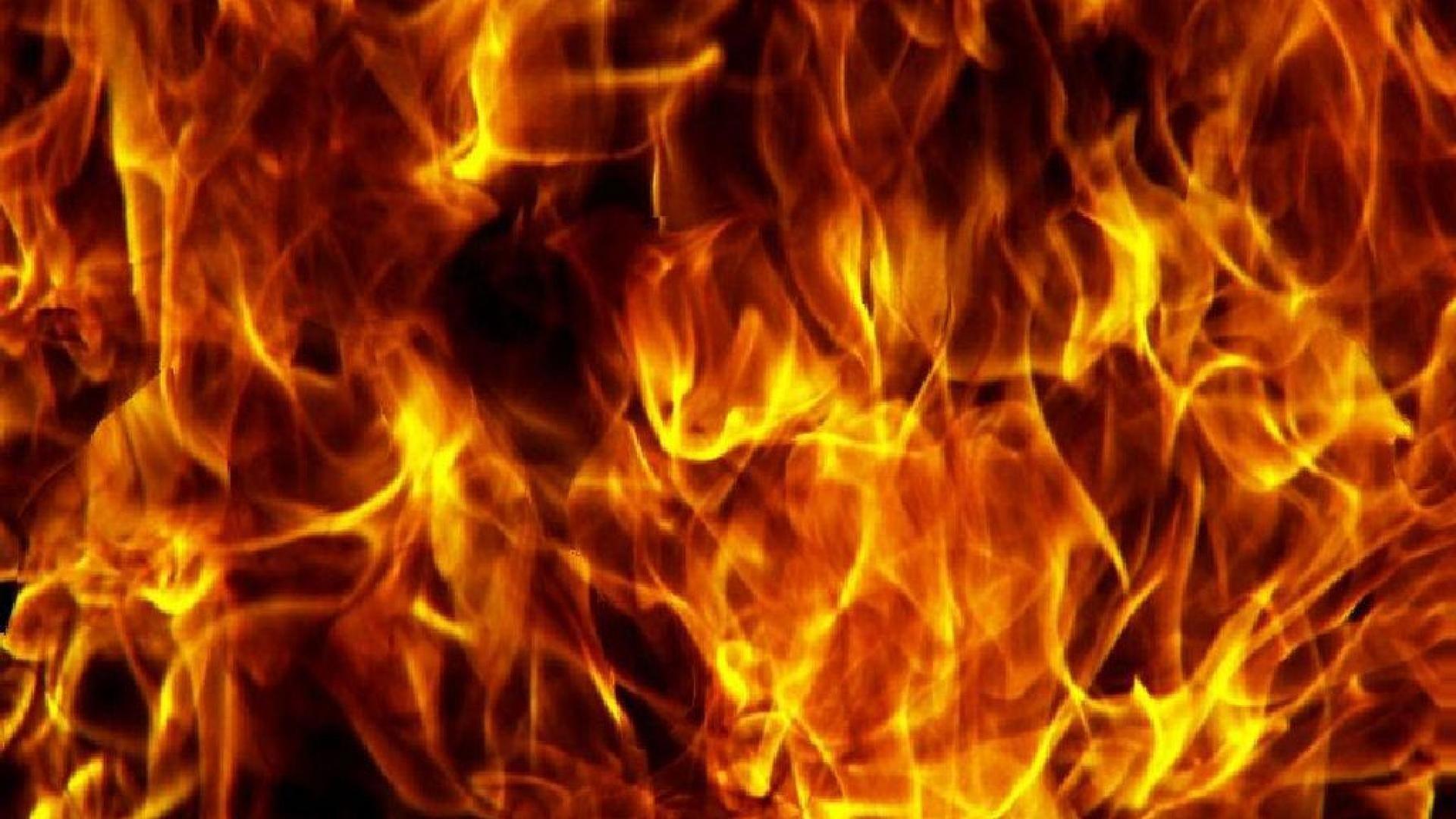 Kelly Fire Wallpaper Free: Fire Desktop Backgrounds (61+ Images