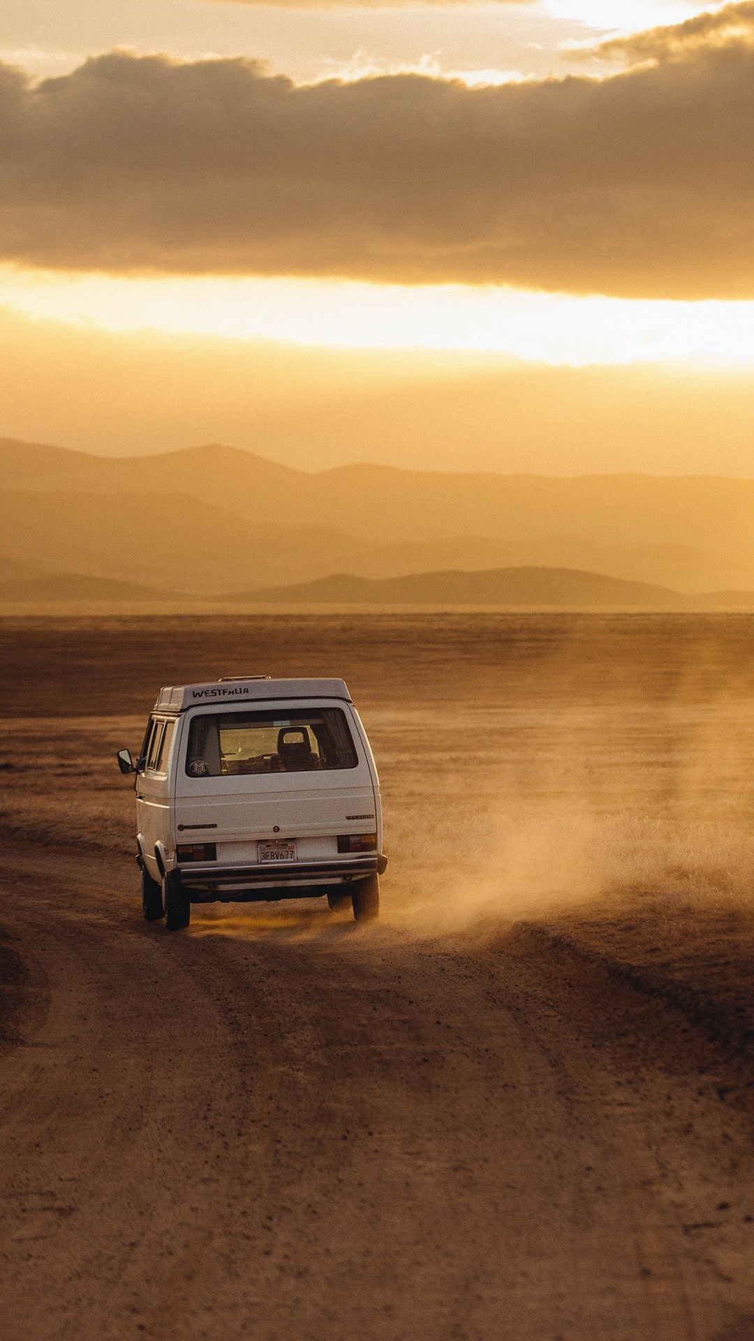 1080x1920 Volkswagen Transporter Desert Roadtrip iPhone 8 wallpaper