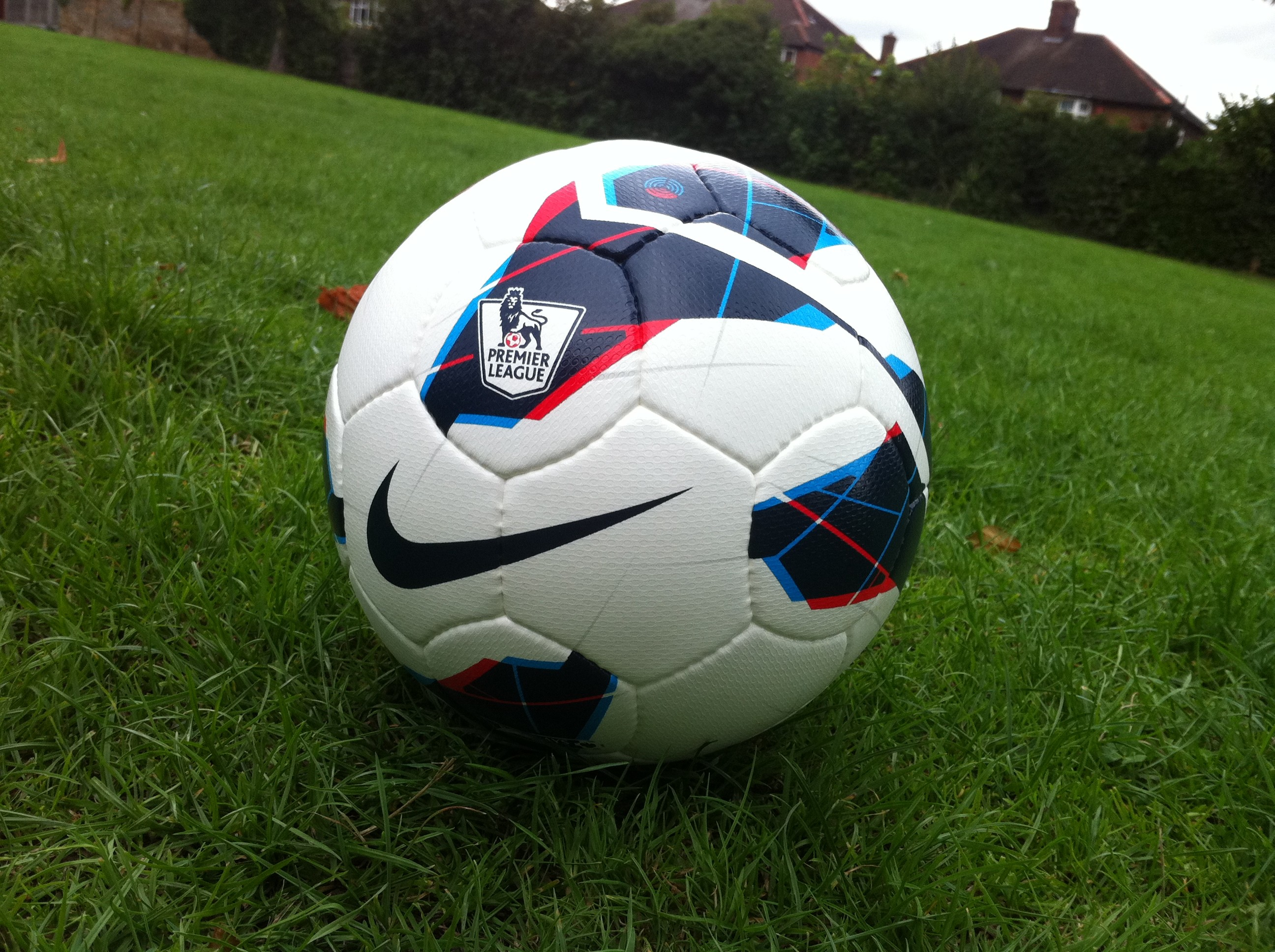 2592x1936 nike premier league ball 2014