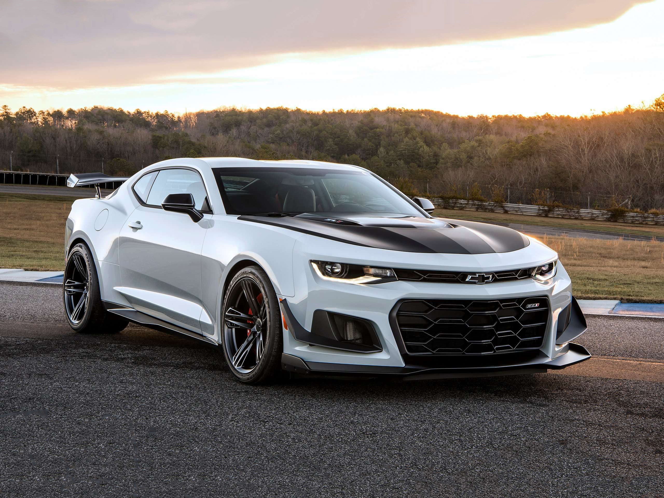 2560x1920 Chevrolet Camaro ZL1 1LE, 2018. Original Resolution: