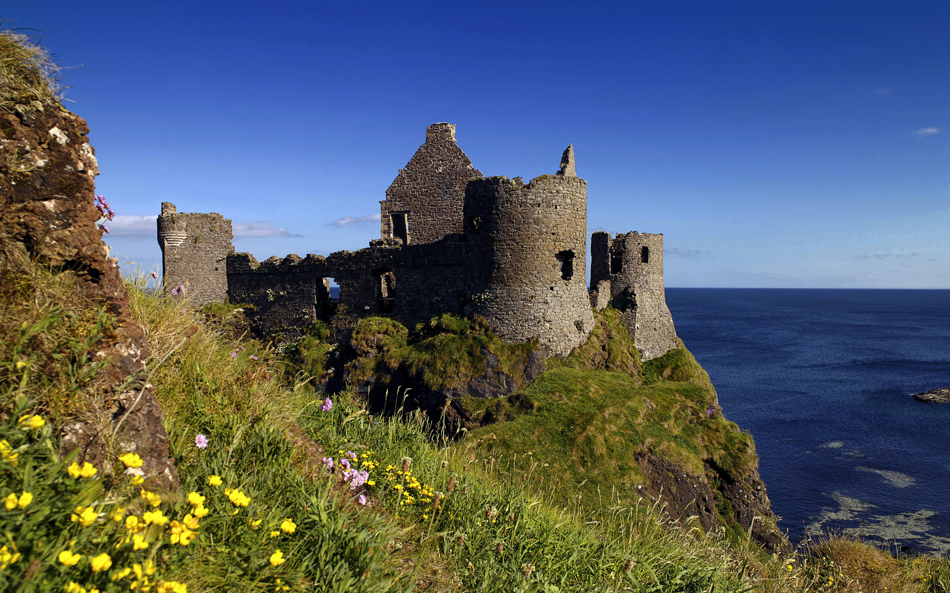 1920x1200 Ruins of Dunluce Castle, Antrim, Northern Ireland, UK