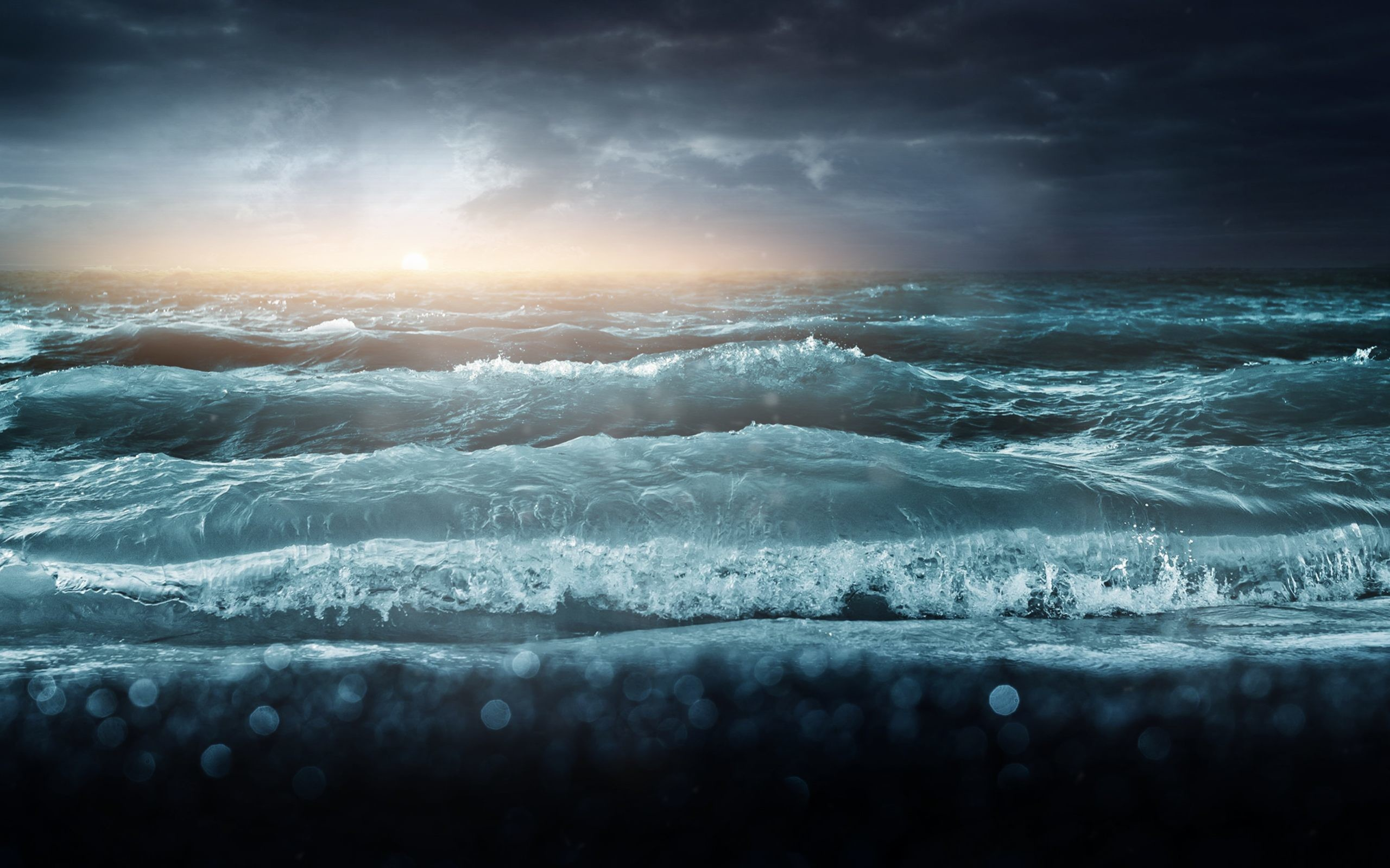 2560x1600 Ocean Waves and Storm Wallpaper