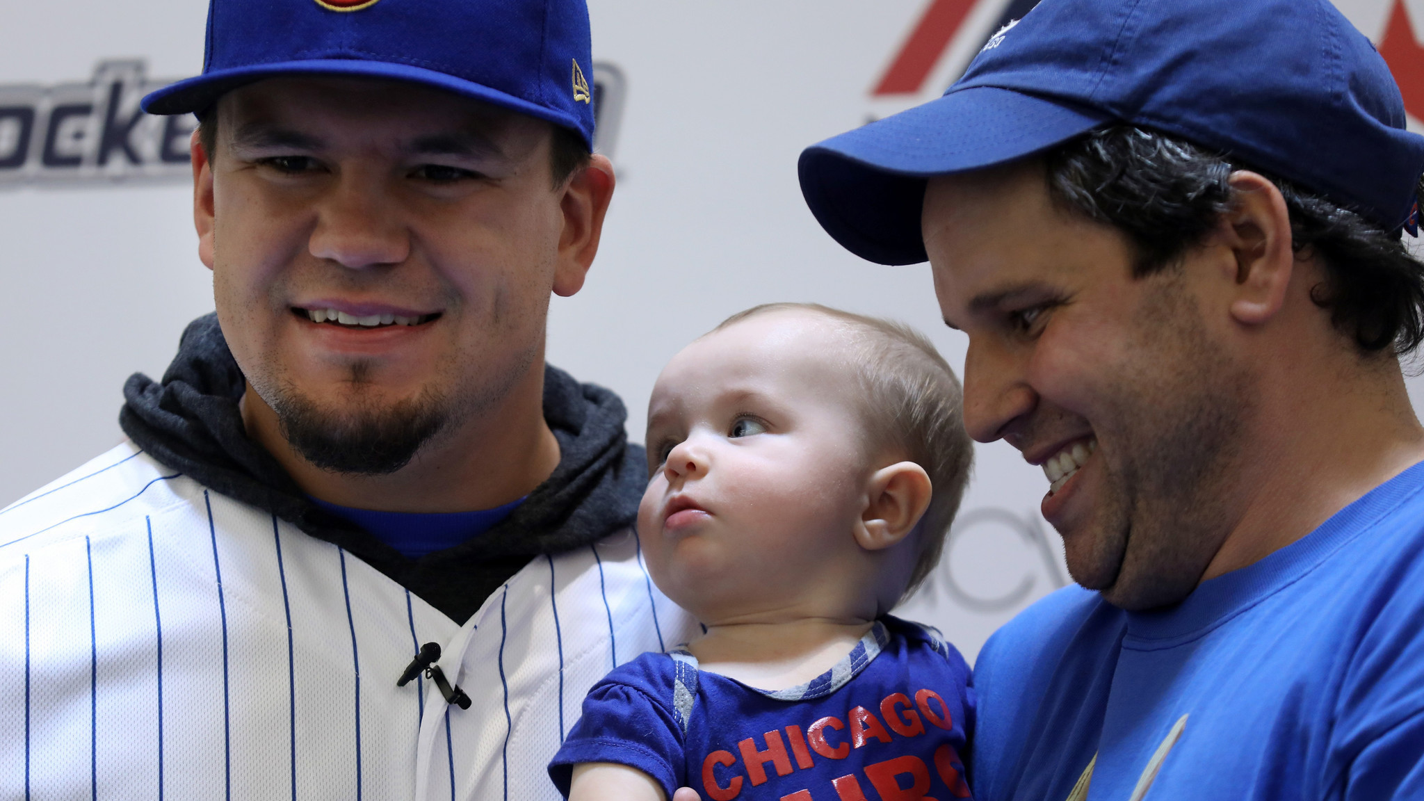 2048x1152 Cubs' day off: Bryant hits balls into Chicago River, Schwarber poses as  mannequin - Chicago Tribune