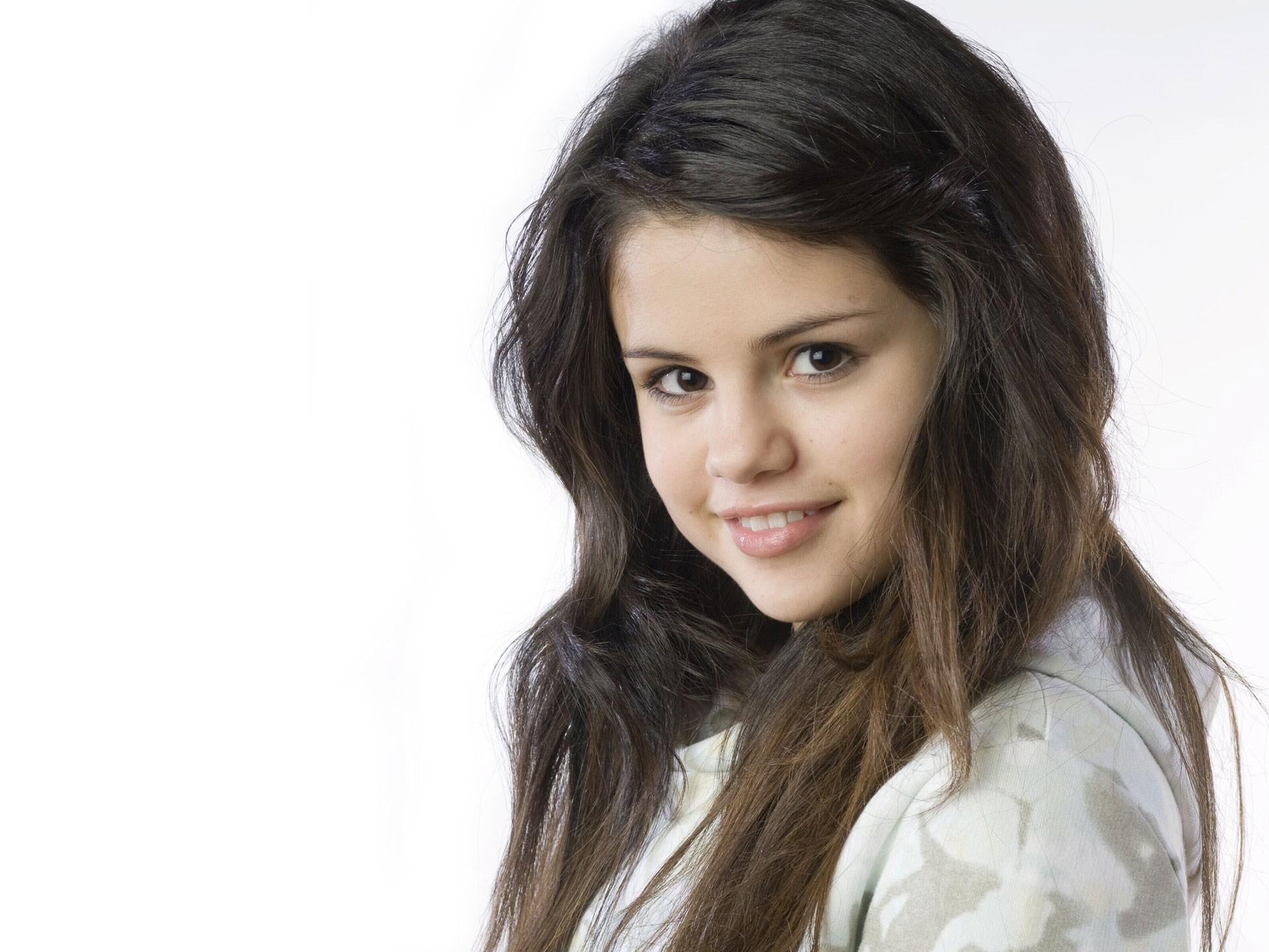 Selena Gomez iPhone Wallpaper 80 images