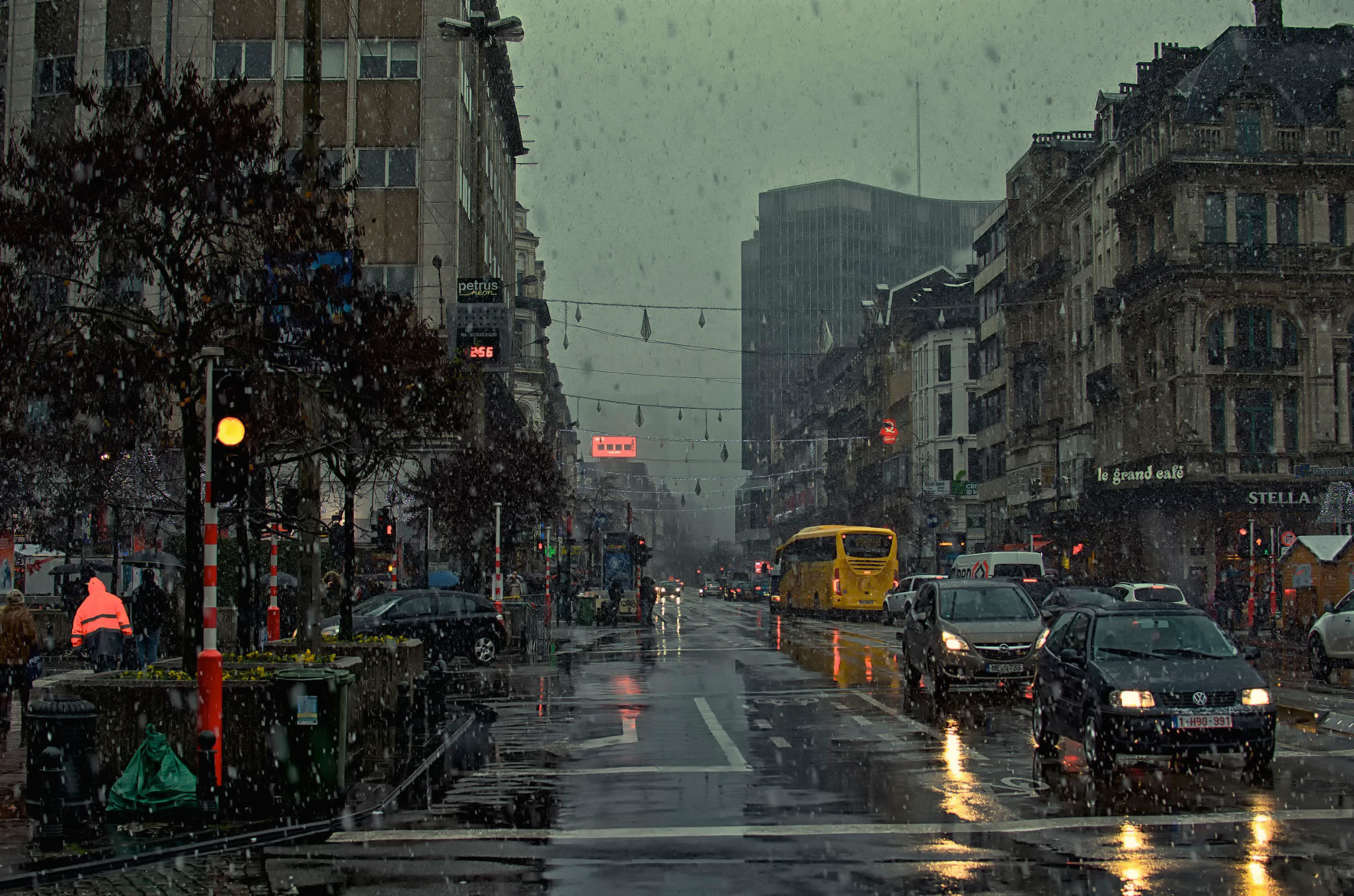 Animated rain wallpapers for desktop 67 images - Rainy hd wallpaper for pc ...