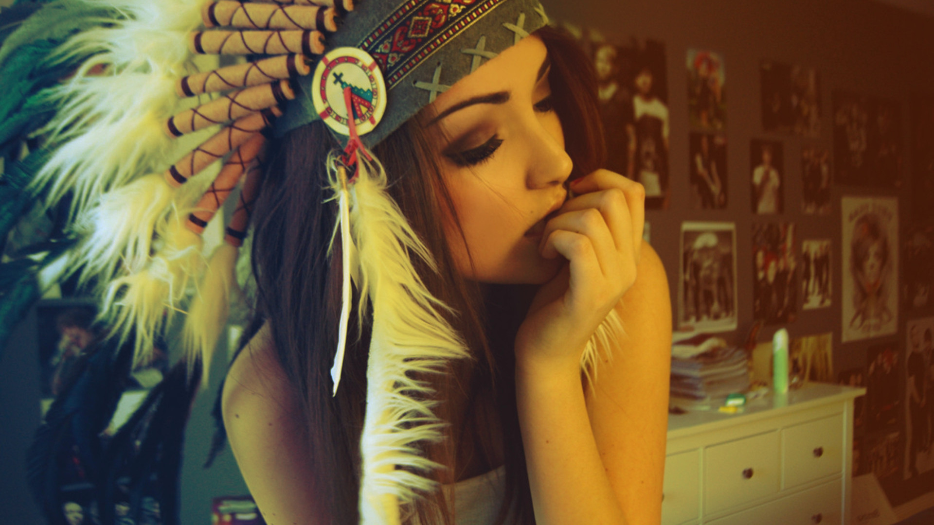 1920x1080 Pretty Boho/hippie girl with Native American/Indian headwrap (feathers)  with smokey eye and glowing skin