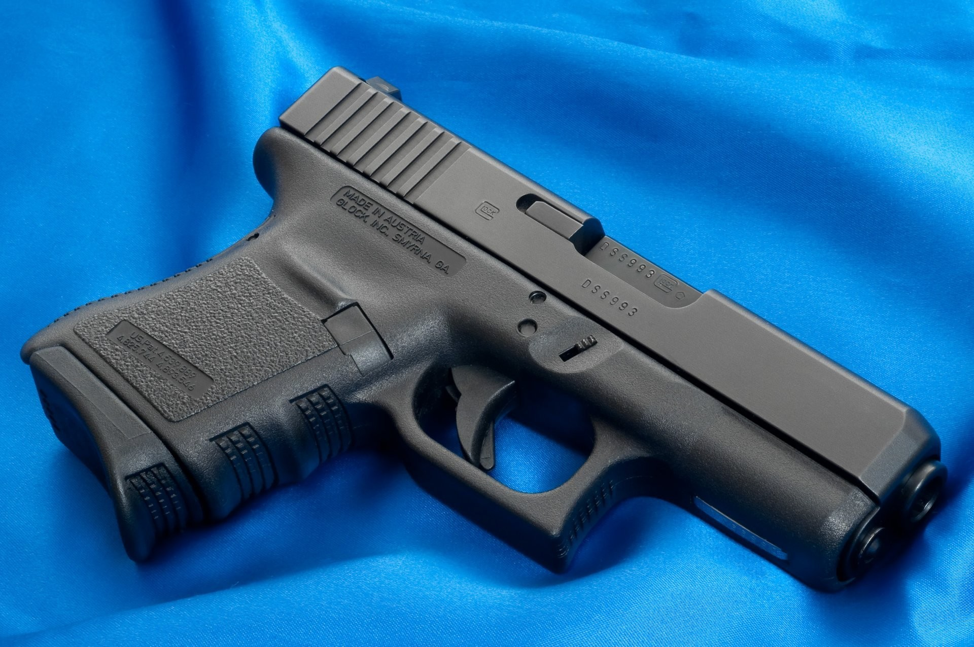 1920x1276 glock weapons wallpapers glock gun weapon wallpaper canvas blue cloth  background