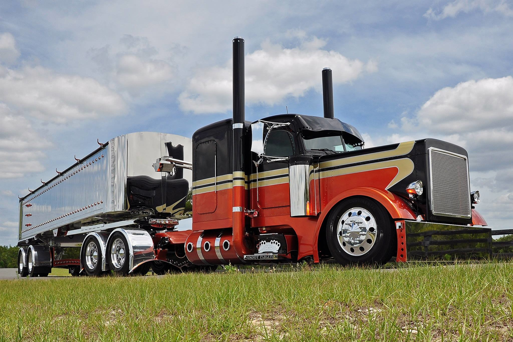 2048x1366 Peterbilt wallpaper | 2576x1932 | 181691 | WallpaperUP