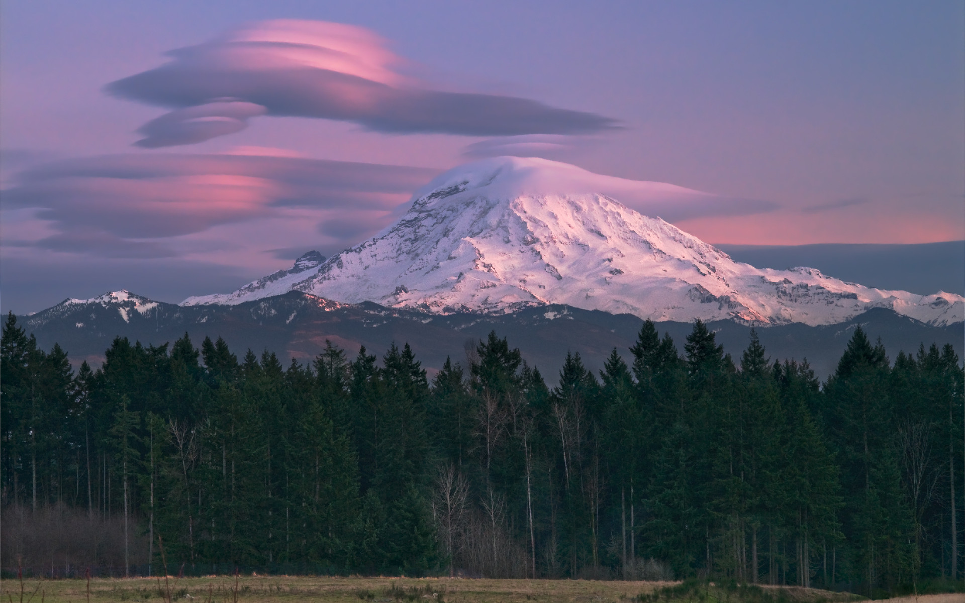 1920x1200 Mt Rainier Lenticular Clouds - Wallpapers AM