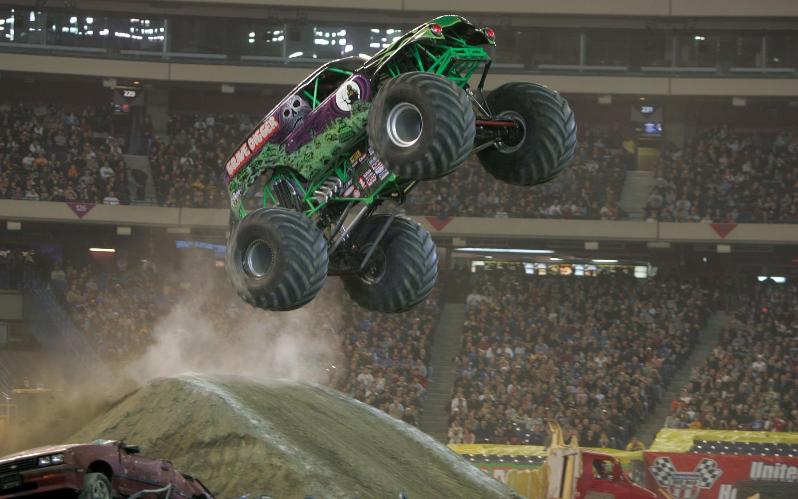 Monster Trucks Wallpaper (53+ images)