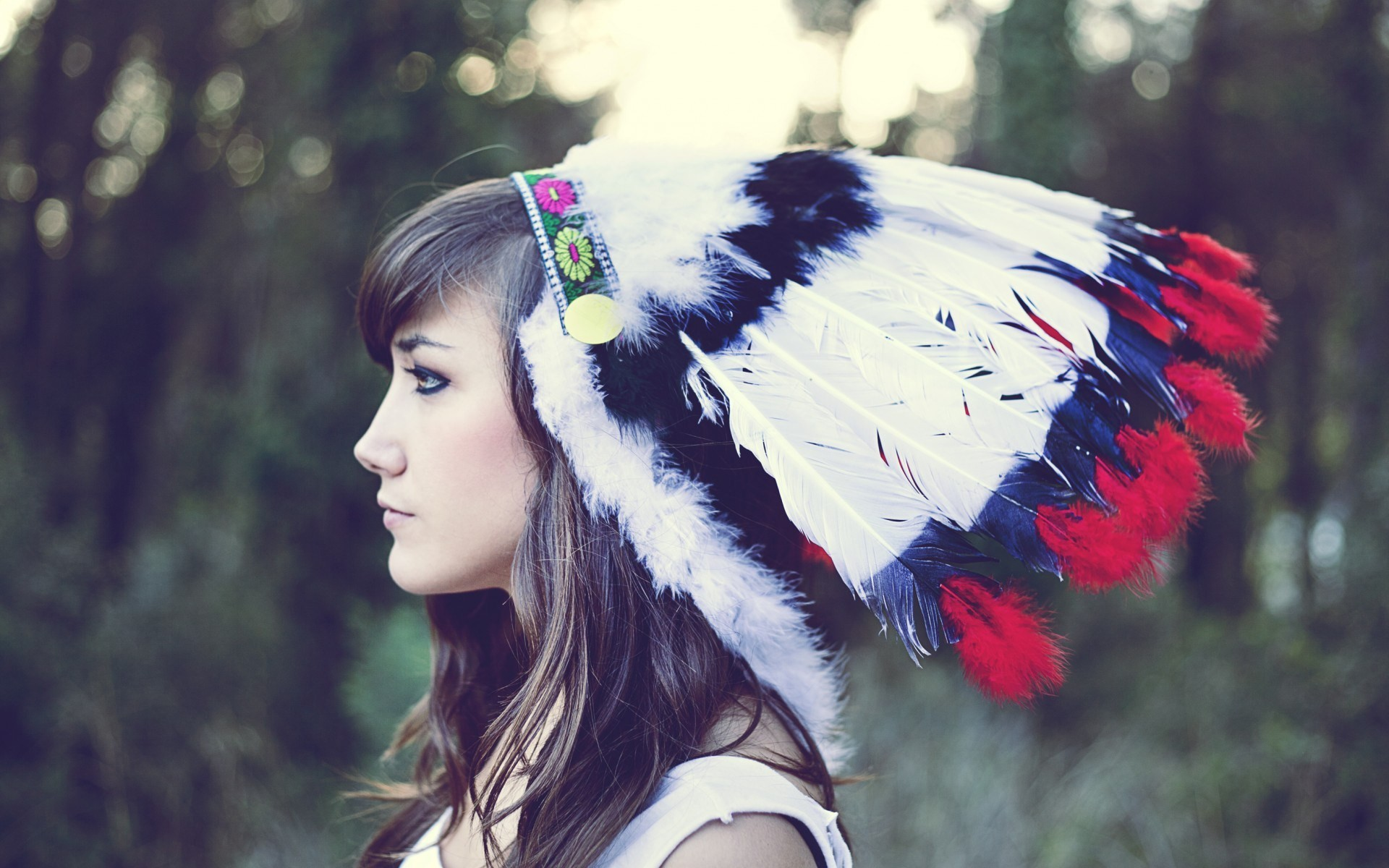 1920x1200 1512 Beauty Girl Indian Headdress