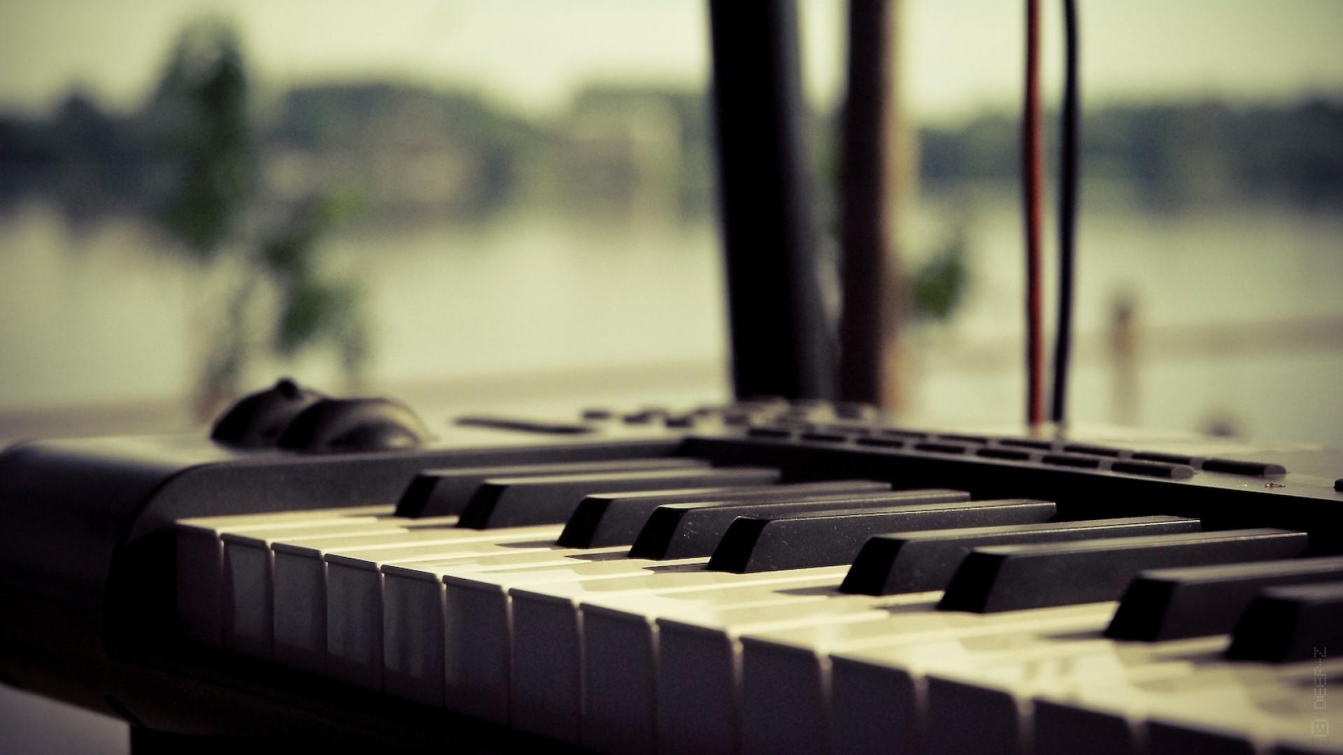 4 Free Windows 8 Piano Apps