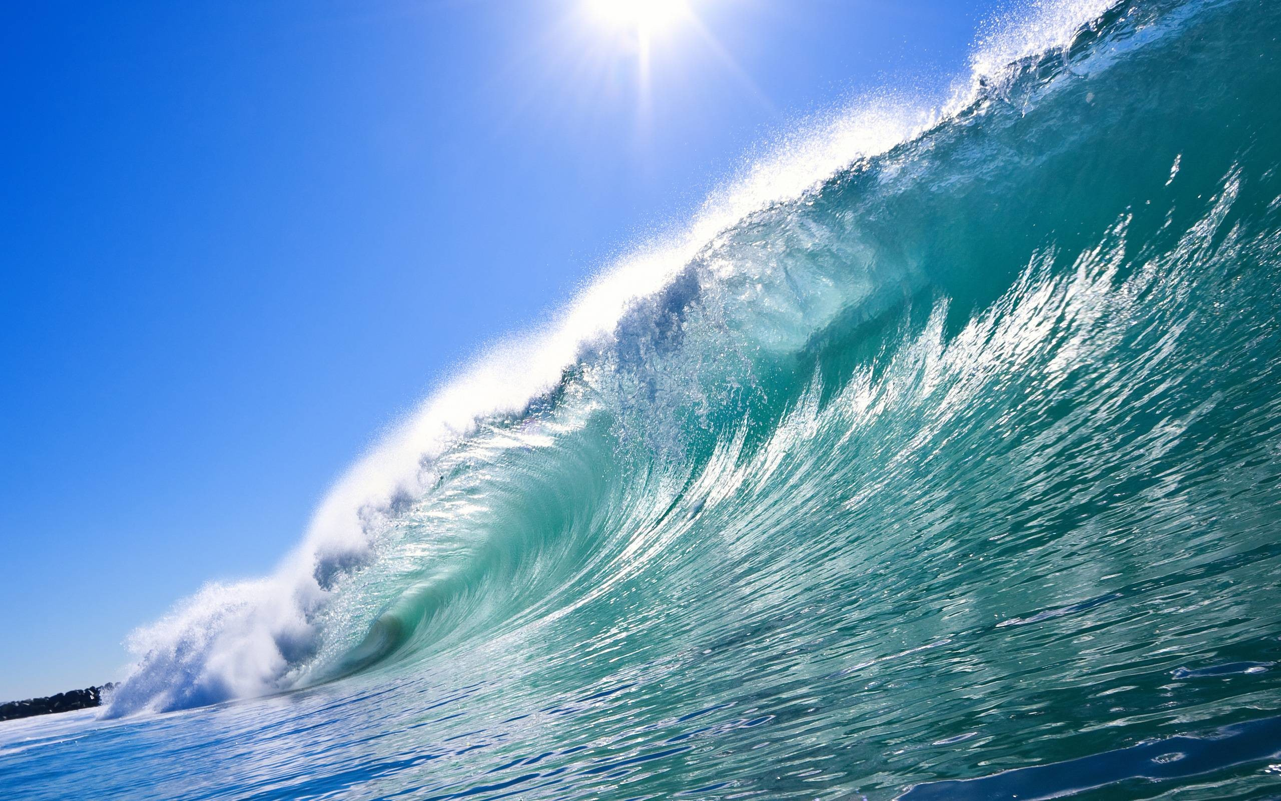 2560x1600 Ocean Waves Wallpapers and Background