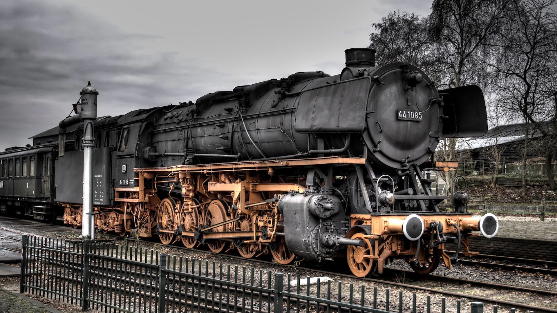 1920x1080 Black And White With Color Wallpaper Desktop Wallpapers backgrounds - train