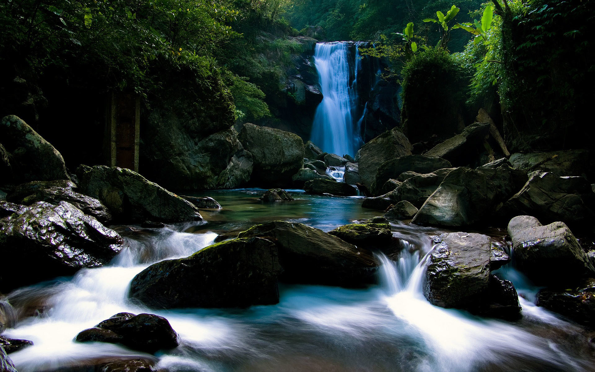 1920x1200 ... Waterfall HD - YouTube 4K Aquarium Video as desktop wallpaper | Uscenes  HD Wallpapers ...