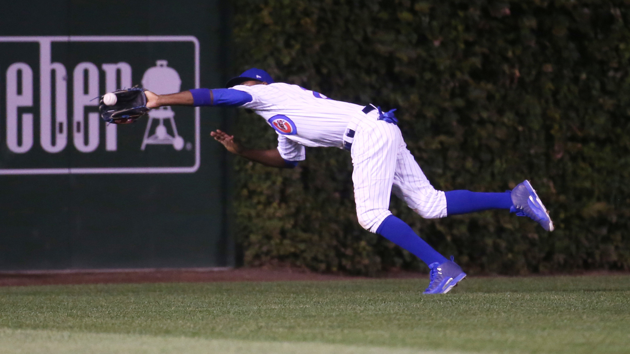 2048x1152 Cubs' Dexter Fowler takes a few steps back on defense — literally - Chicago  Tribune