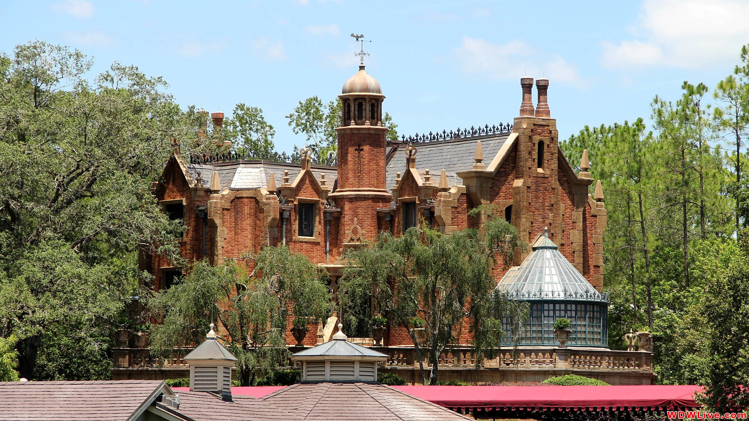 2560x1440 Haunted Mansion Desktop Wallpaper Images & Pictures - Becuo