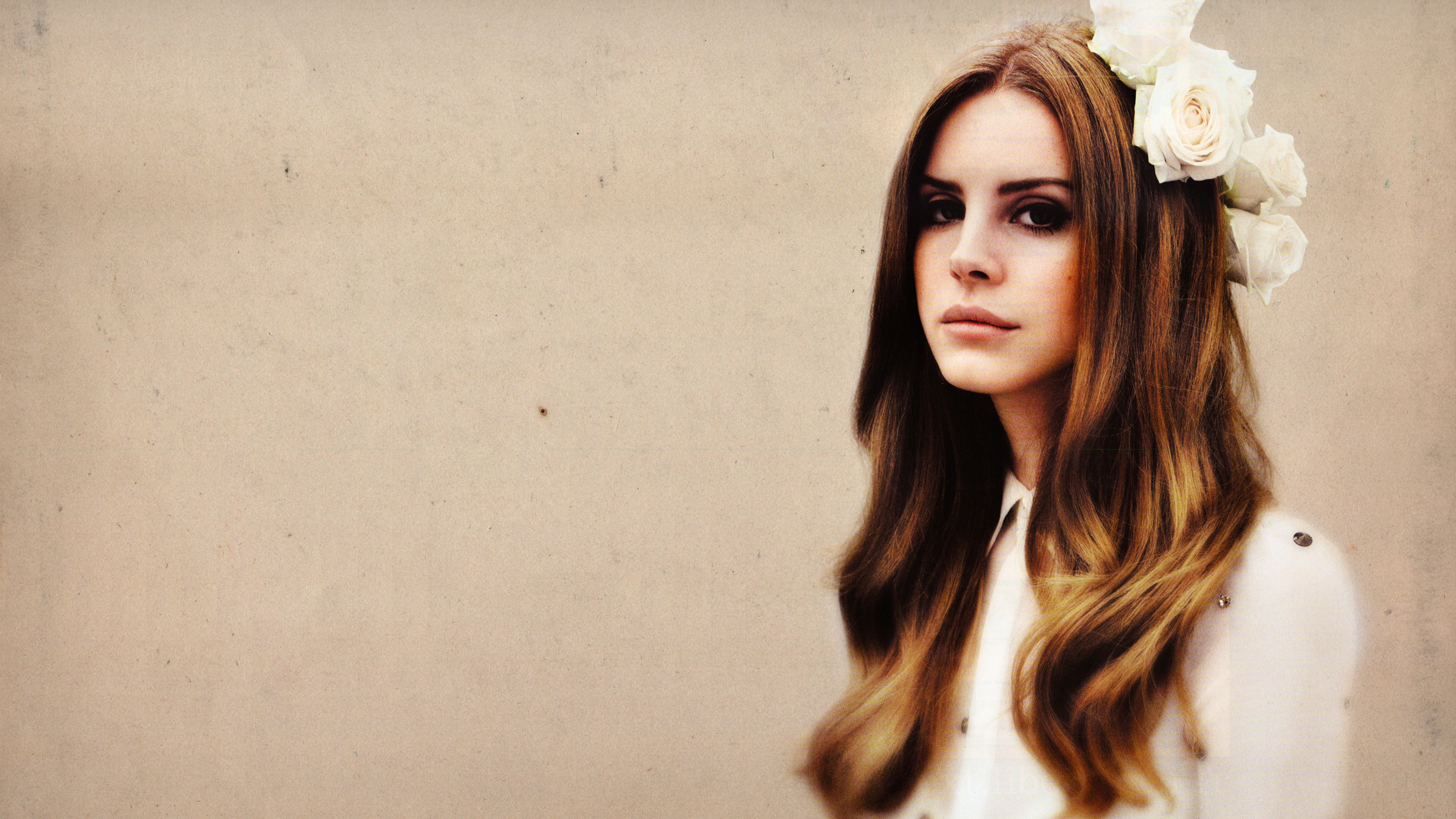 2560x1440 Lana Del Rey Wallpaper