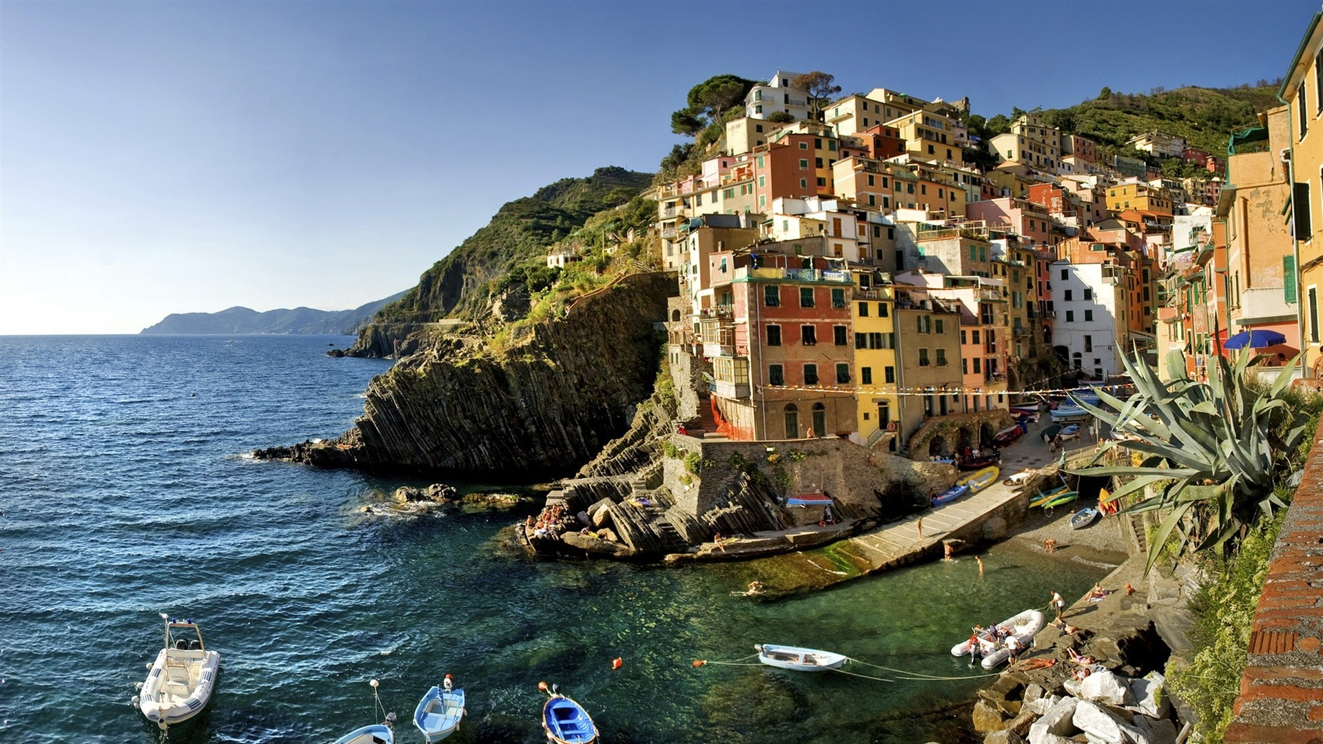 1920x1080  Wallpaper italy, beach, boats, houses