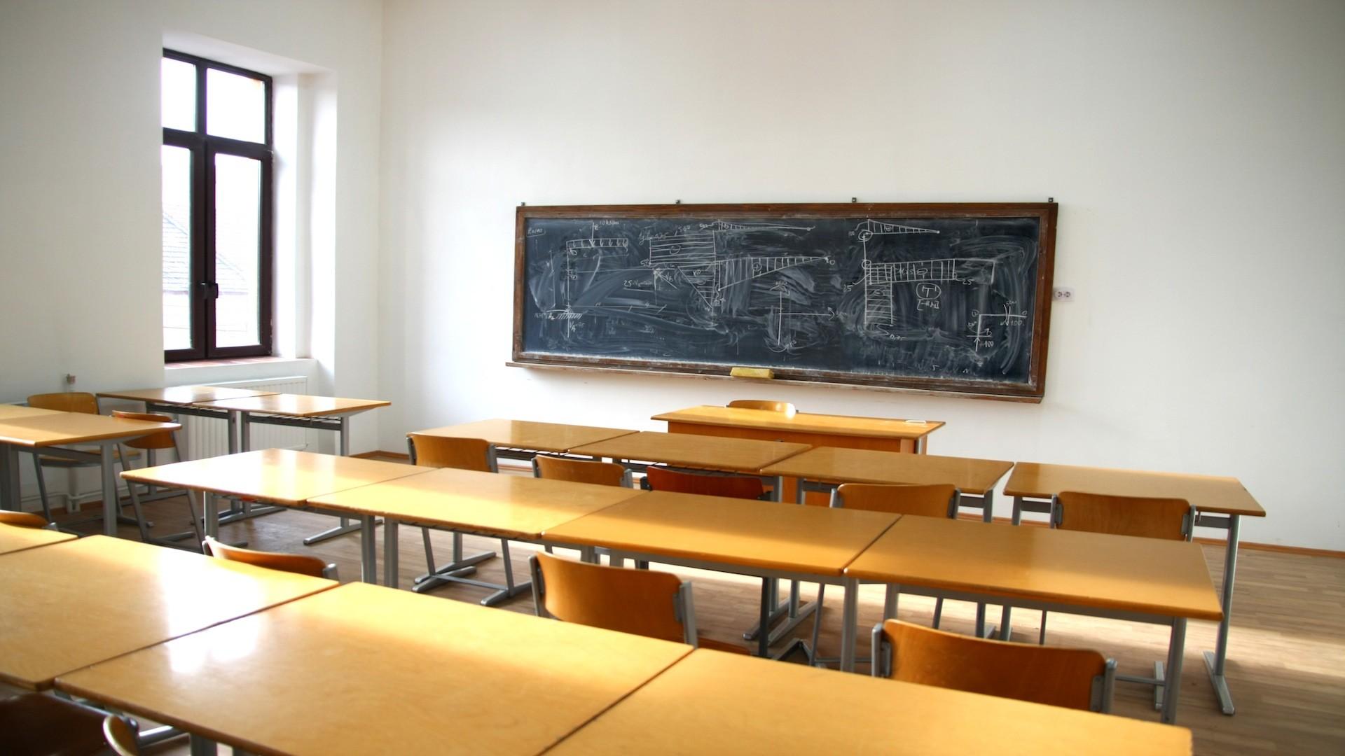 1920x1080 Shot Of Empty Elementary School Classroom Stock Video Footage