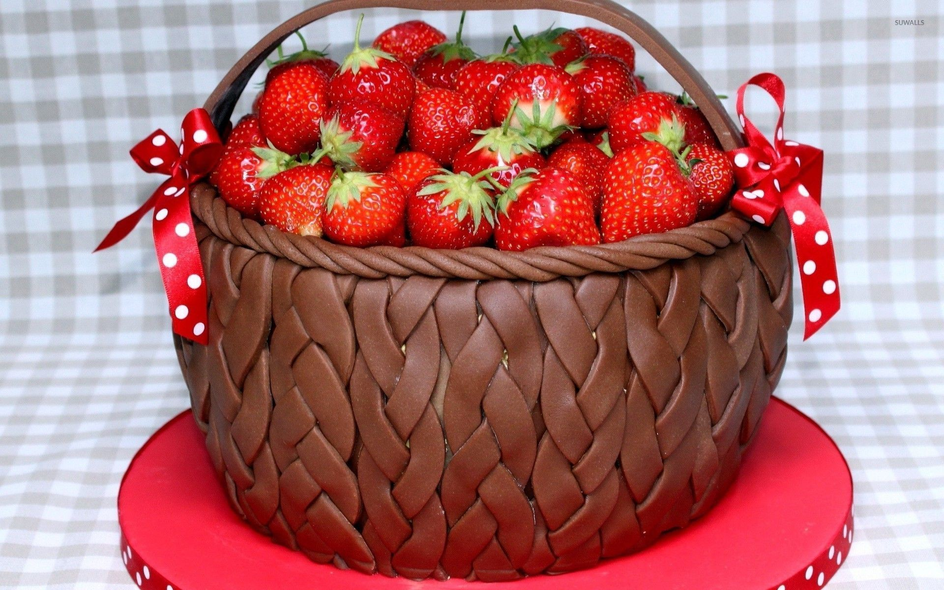 1920x1200 Strawberries in a chocolate basket wallpaper