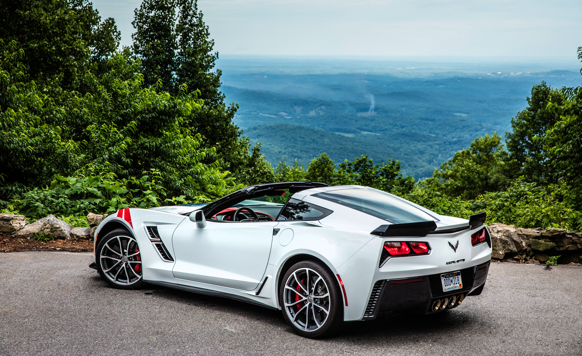 2250x1375 Chevrolet Corvette C7 Sports Car