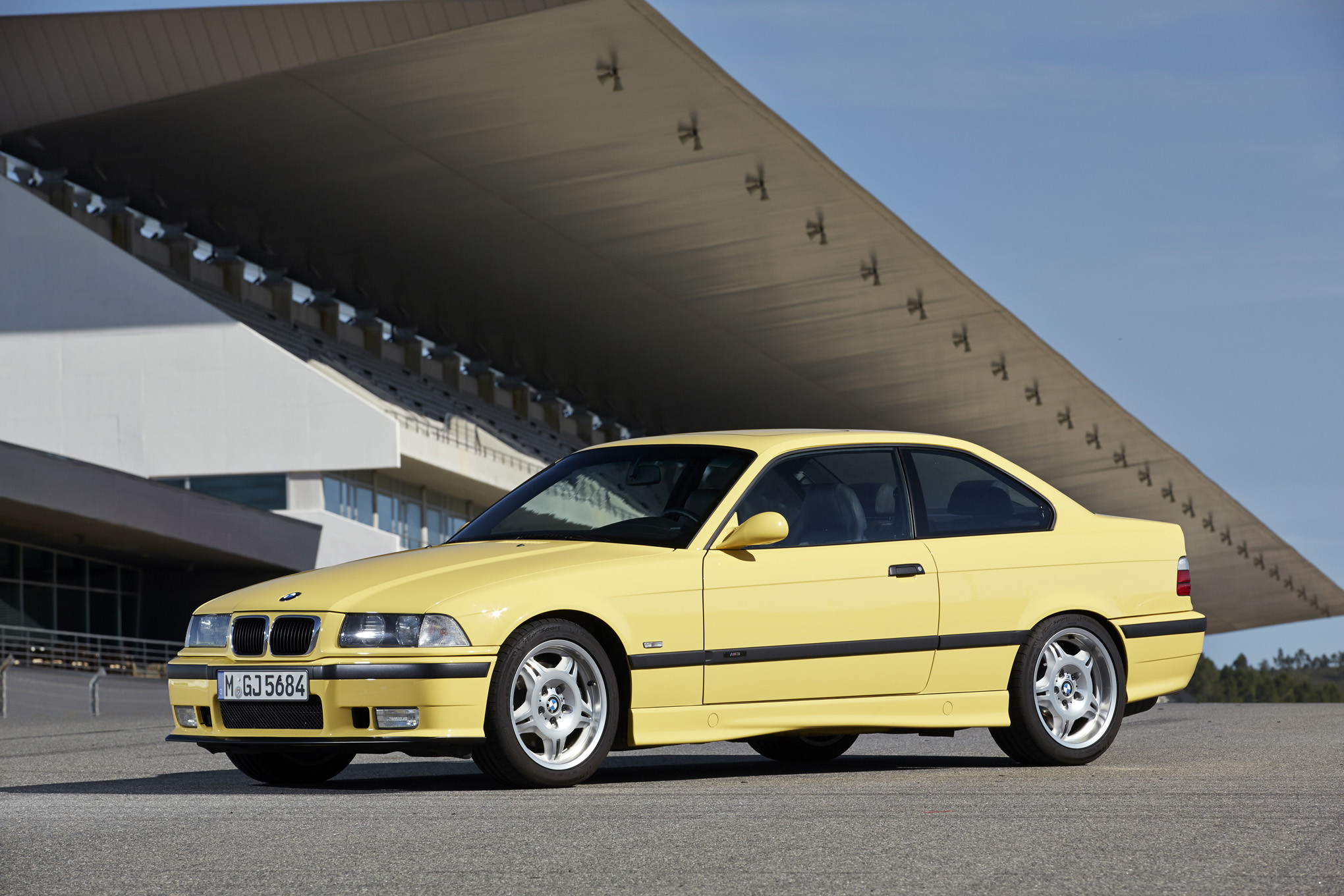 2040x1360 bmw-m3-e36-front-three-quarters