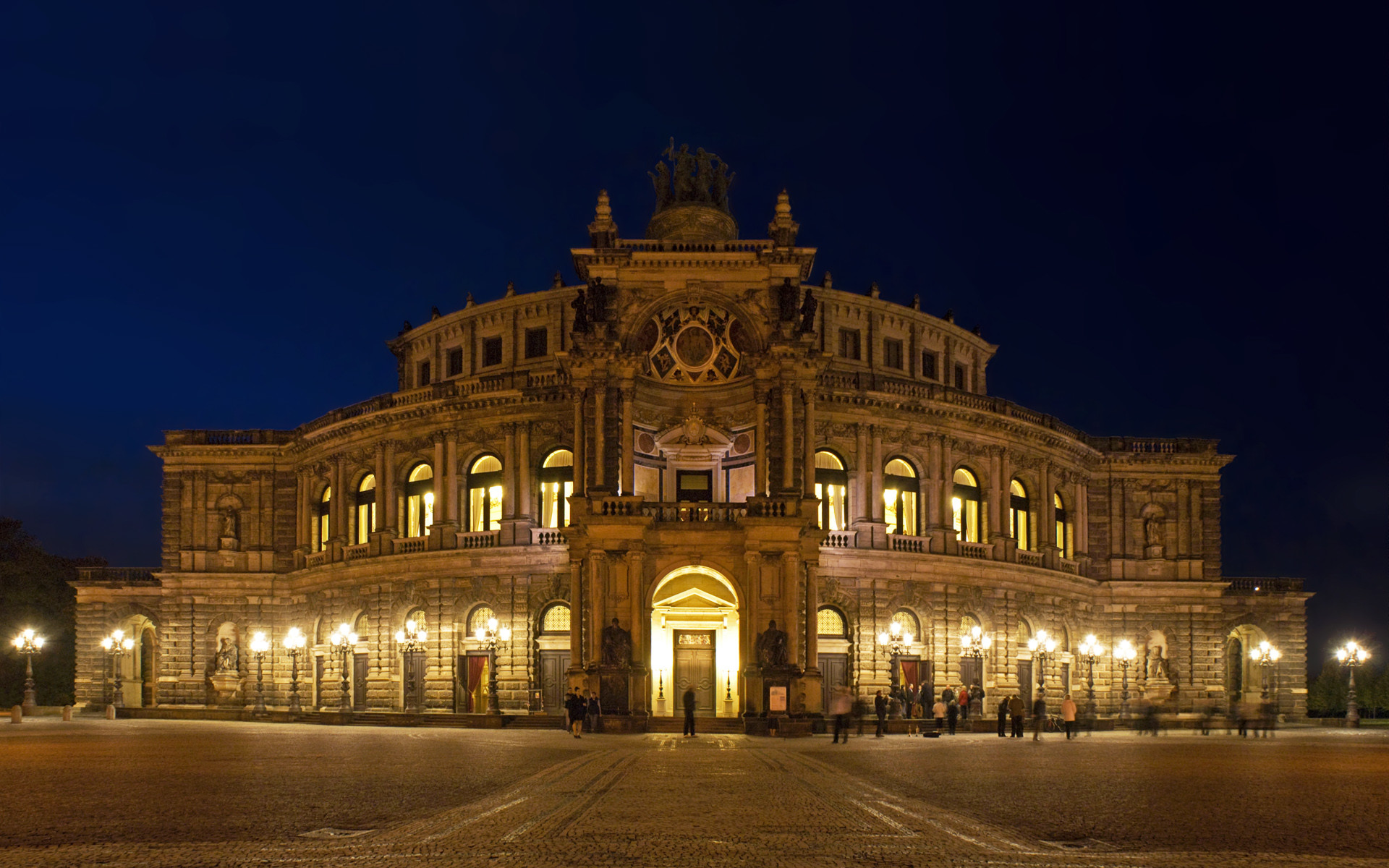 1920x1200 Semperoper Dresden