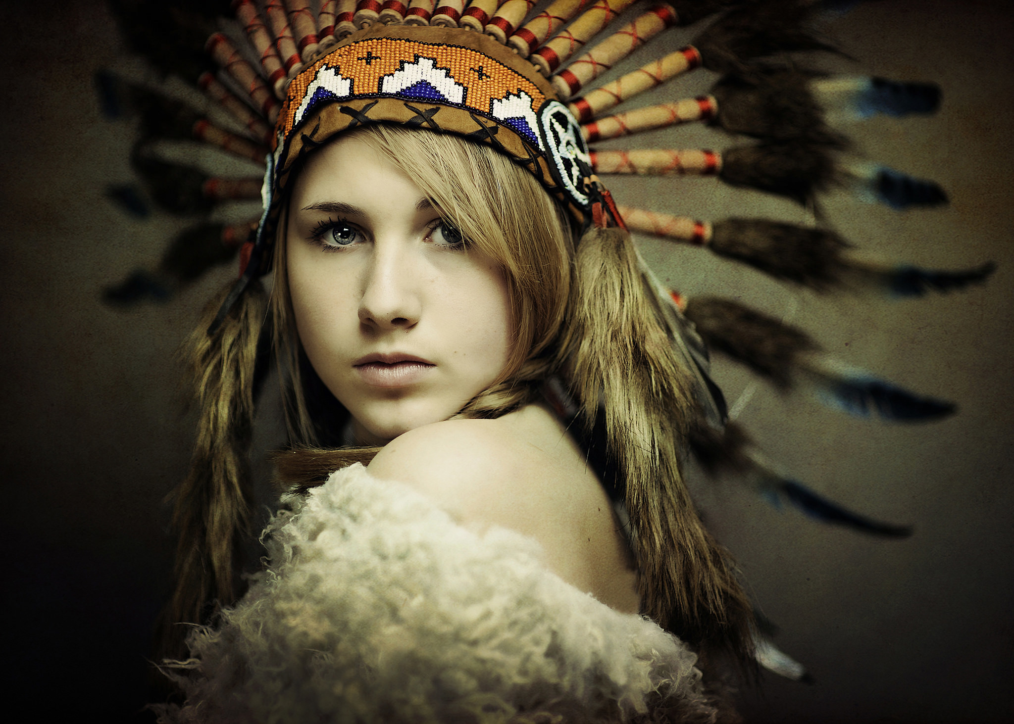 native american women The women in native american tribes often helped their men to hunt down buffalo then, when the buffalo were harvested, the women were responsible for skinning, cutting, and cooking the animal they also gathered firewood, cooked, and repaired clothing and shoes.