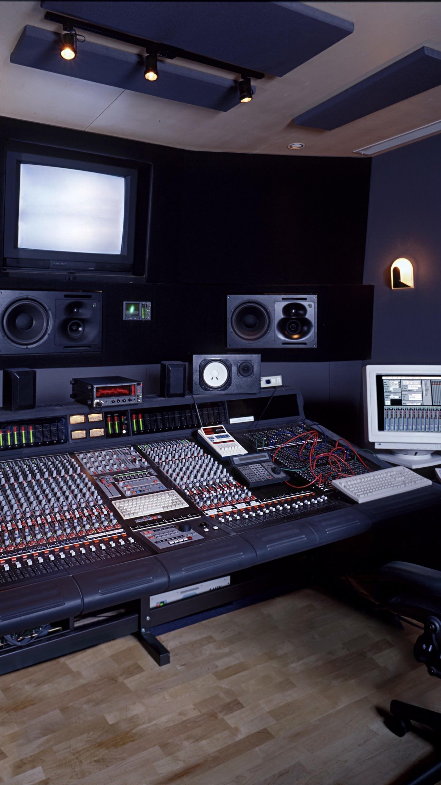 Studio To Go Makeup Case With Light: Music Studio Wallpaper (62+ Images