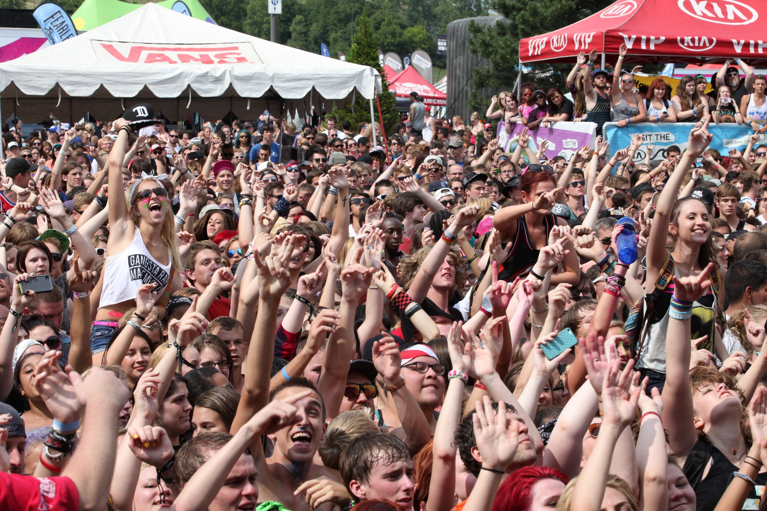 "2600x1733 One Warped Tour staffer, who spoke on the condition of anonymity, doesn't  think so. ""I think Kevin understands there are a lot of artists on that  tour that ..."