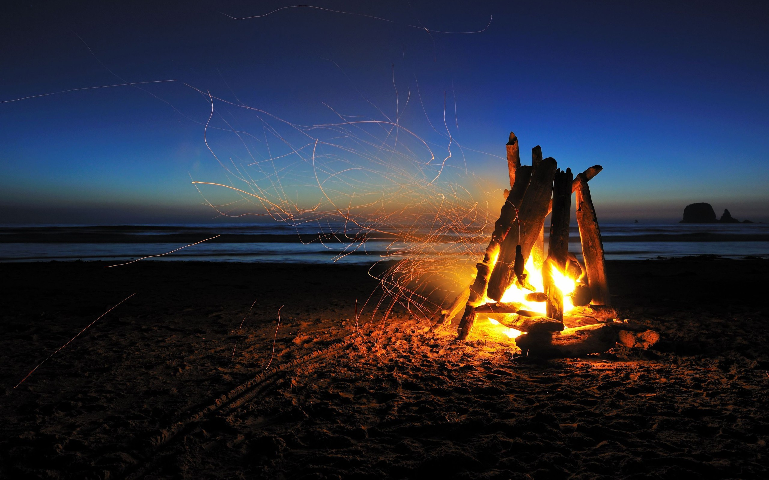 2560x1600 http://www.socwall.com/images/wallpapers/46312-.jpg | Pretty  Pictures | Pinterest | Beach camping, Beach bonfire and Camping