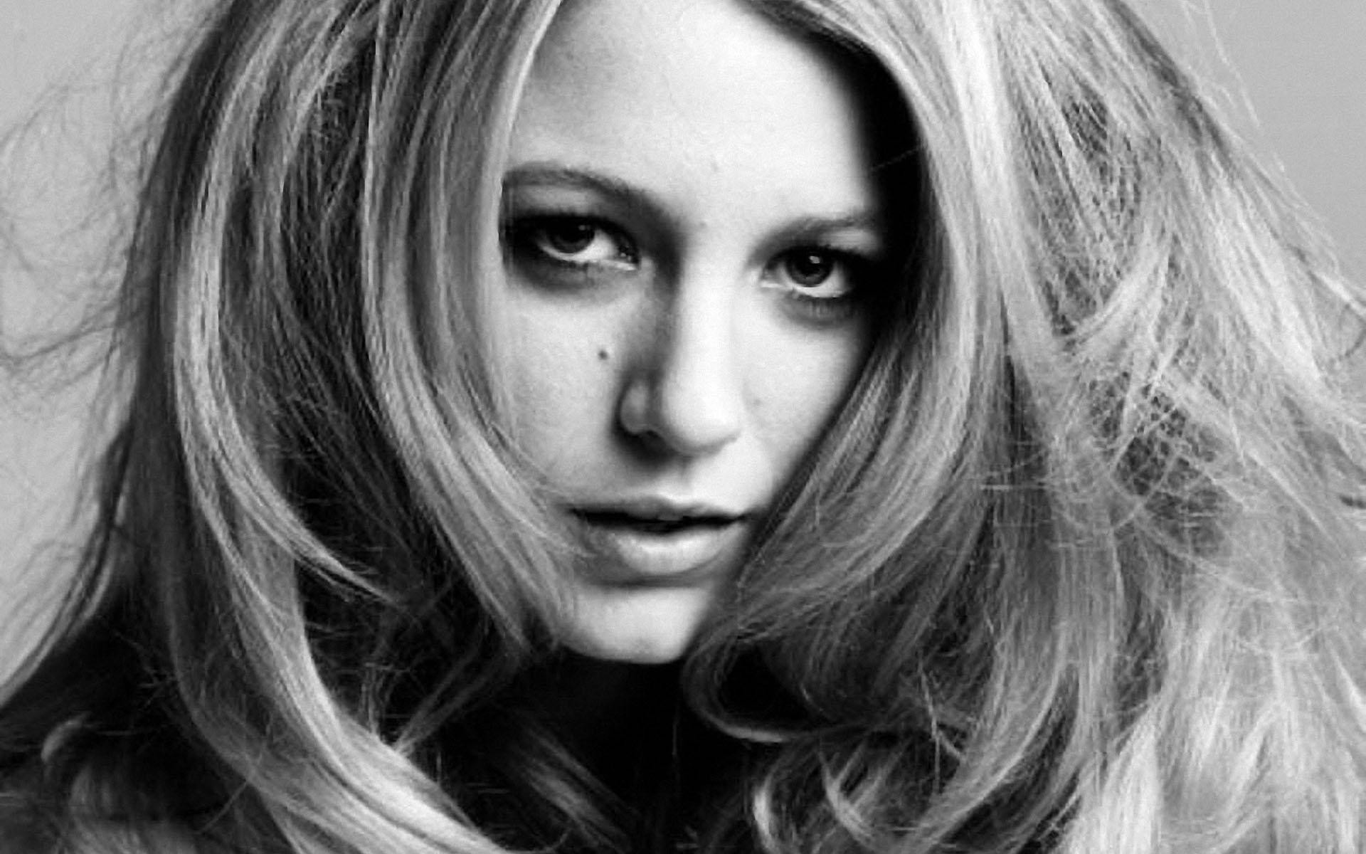1920x1200 Blake Lively Black&White Close-up wallpapers and stock photos