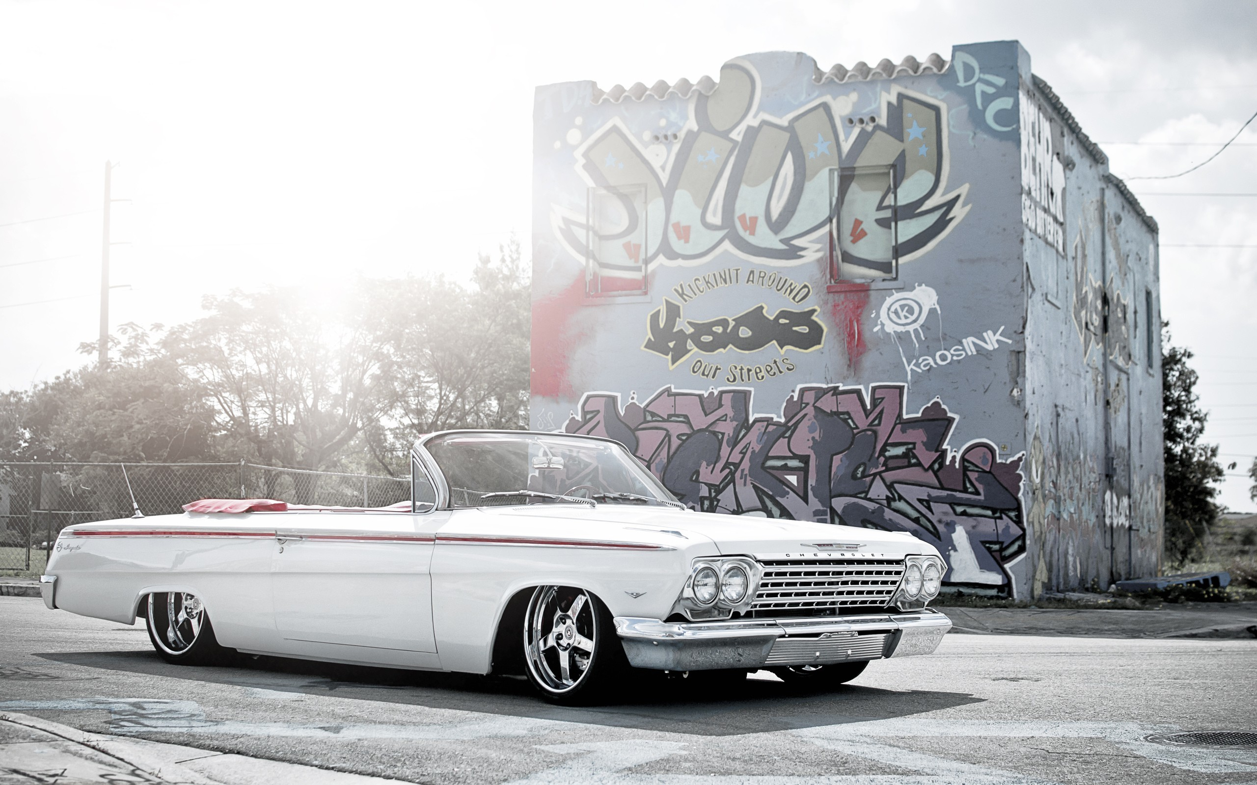 2560x1600 Vehicles - Lowrider Chevrolet Wallpaper