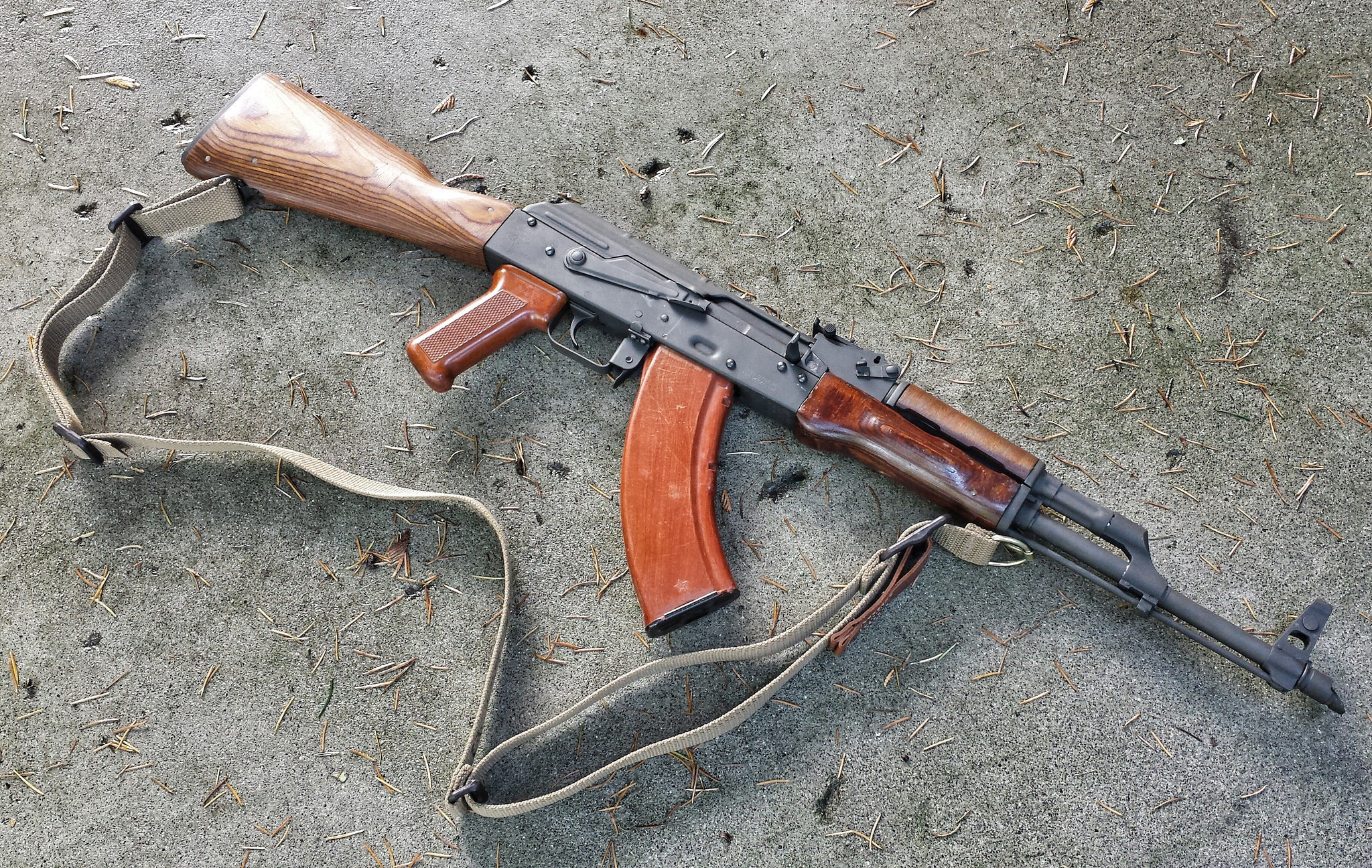 AK-47 Wallpapers Images Photos Pictures Backgrounds